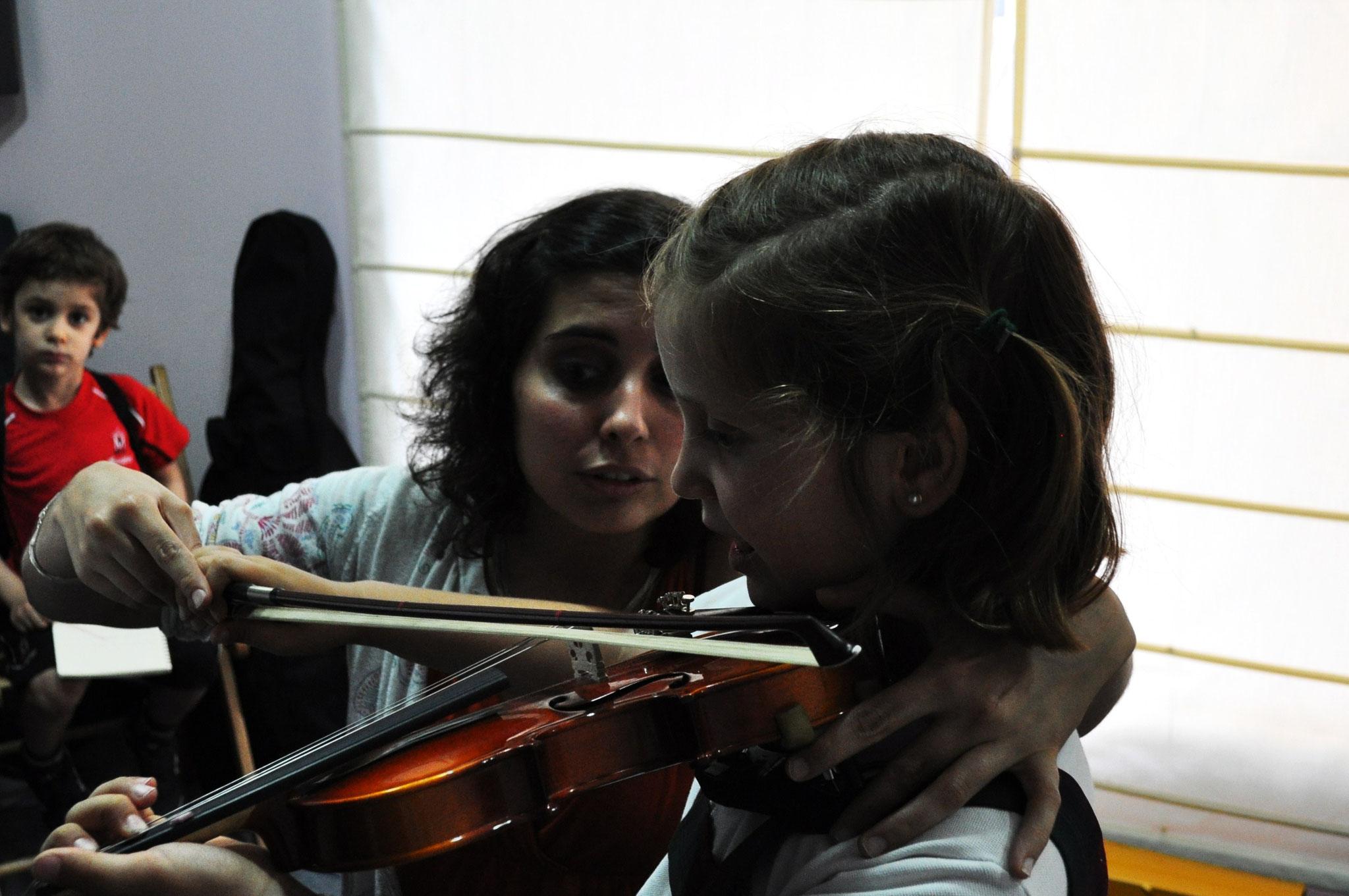 Clase de violín en la Escuela de Música Prolat