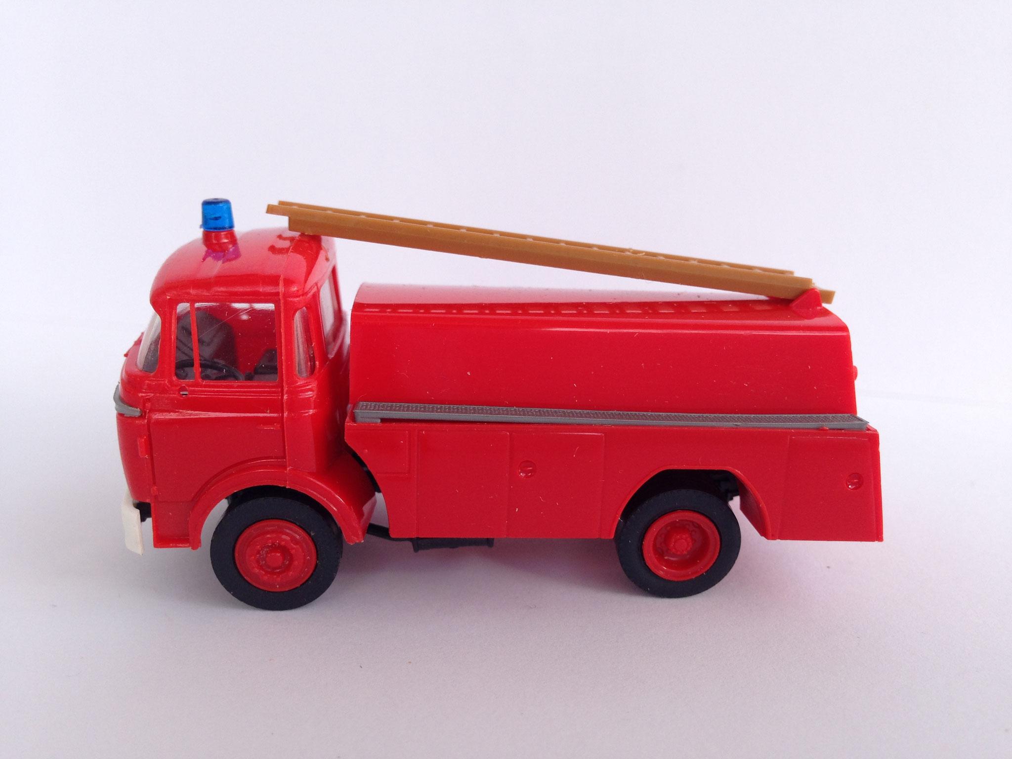 Feuerwehr 2-Achs-Tankfahrzeug GAK, Art. Nr. 470 (ab 1987 im Programm)