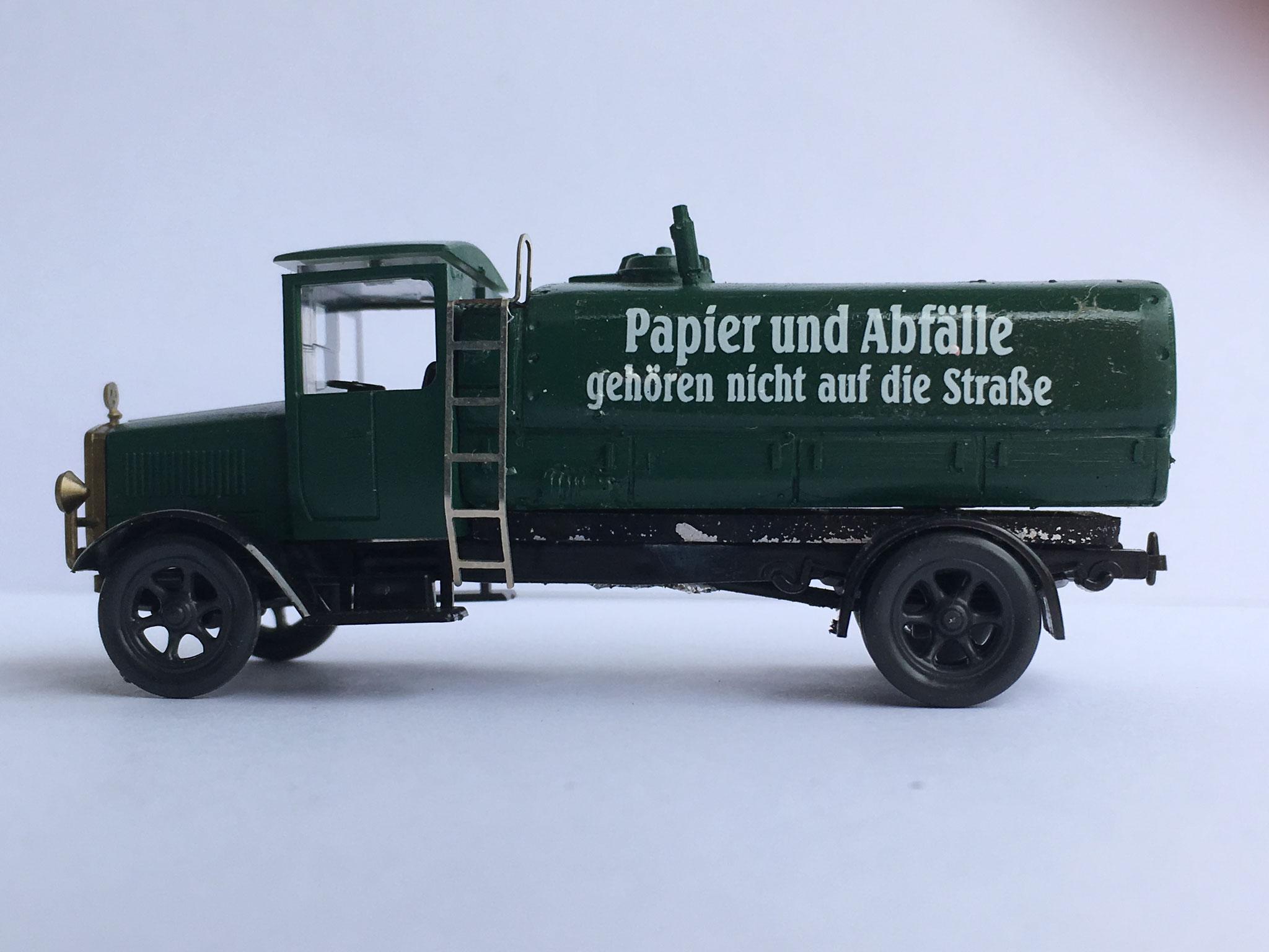 Mercedes L5 Papier und Abfälle, Tankwagen (Gollwitzer Handarbeitsmodell)