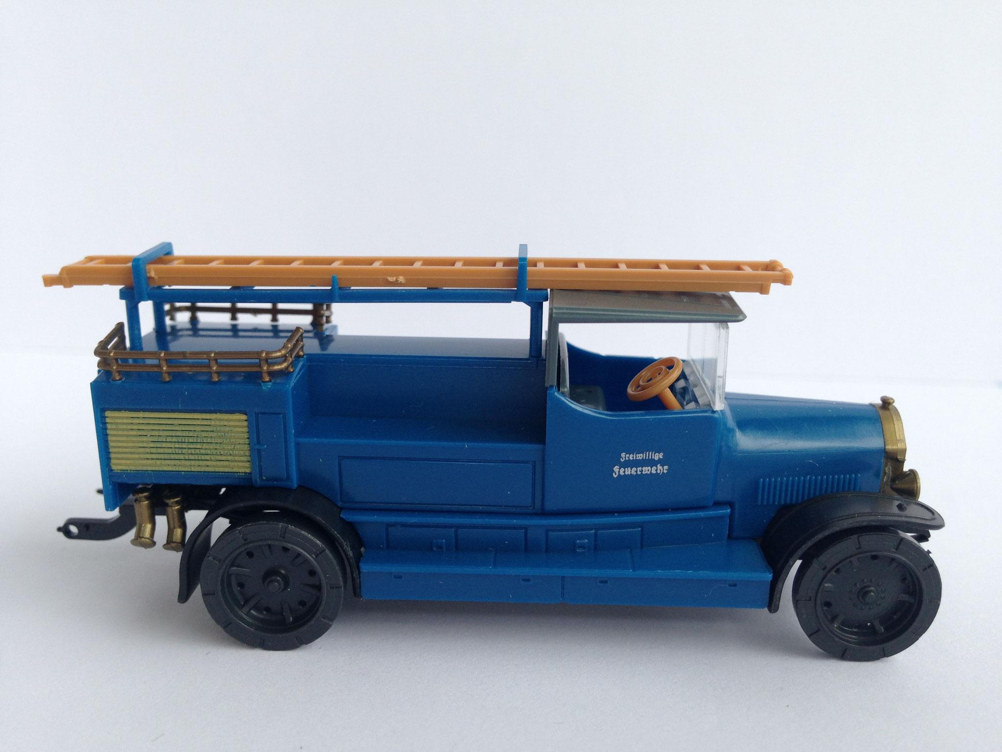 Benz LF 12 Feuerwehr Motorspritze, Freiw. Feuerwehr, blau, Art. Nr. 342 (von Wiking ab 1996 unter dem Label Roskopf im Programm)
