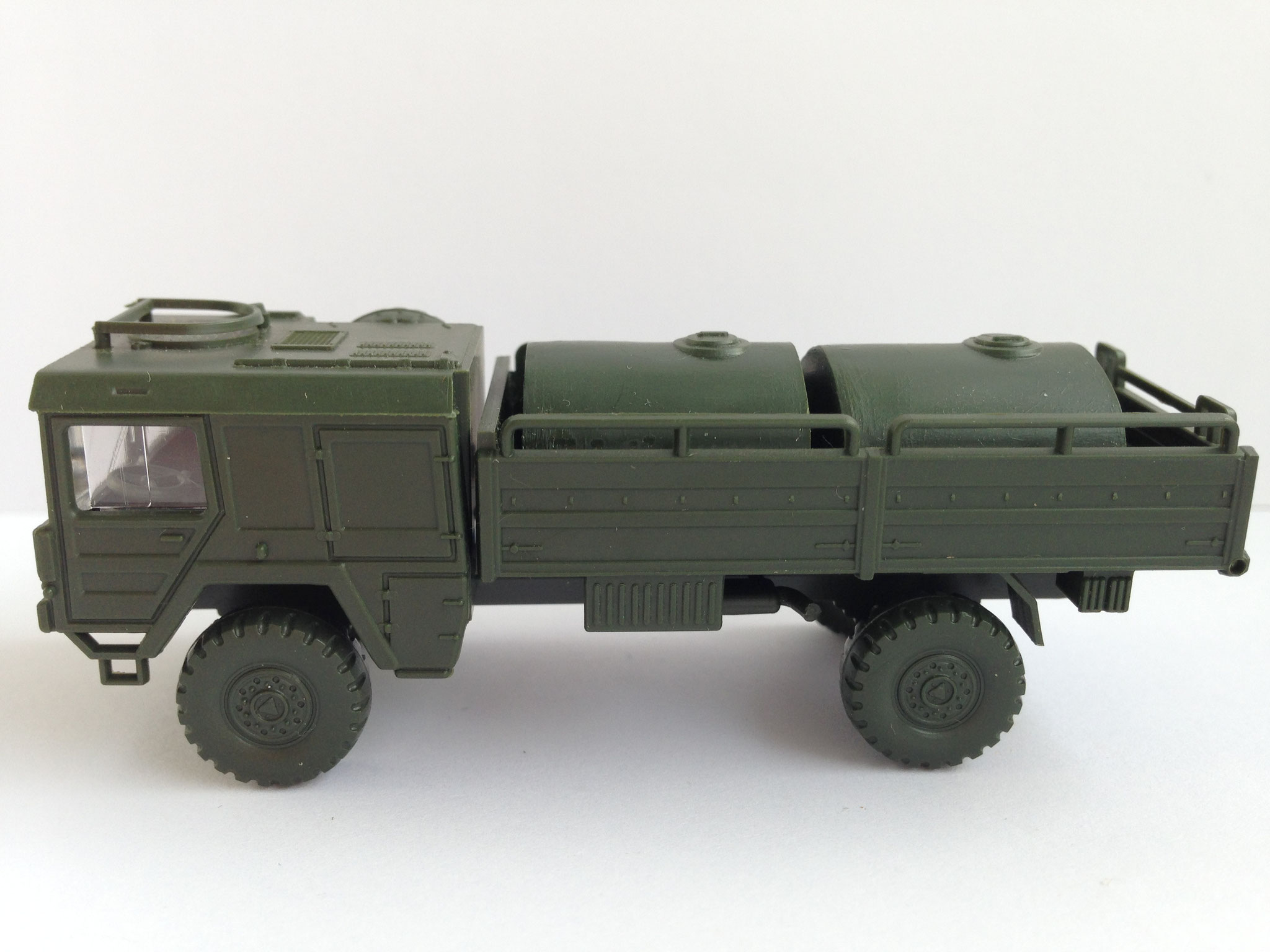 MAN 5 t mit Tankbehältern, Art. Nr. 73 (ab 1978 im Programm)