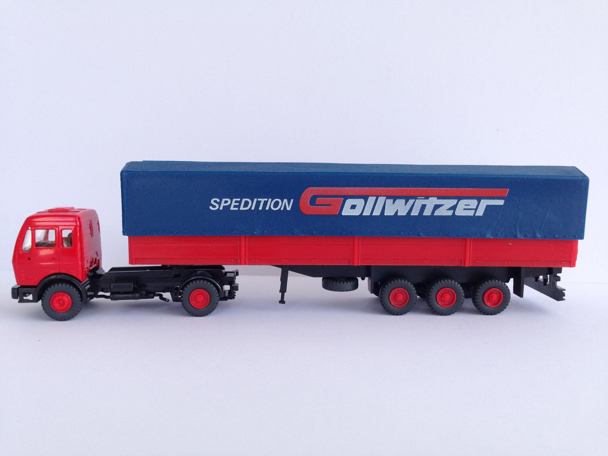 Gollwitzer Sattelzug mit 3-Achs-Auflieger, Pritsche/Plane