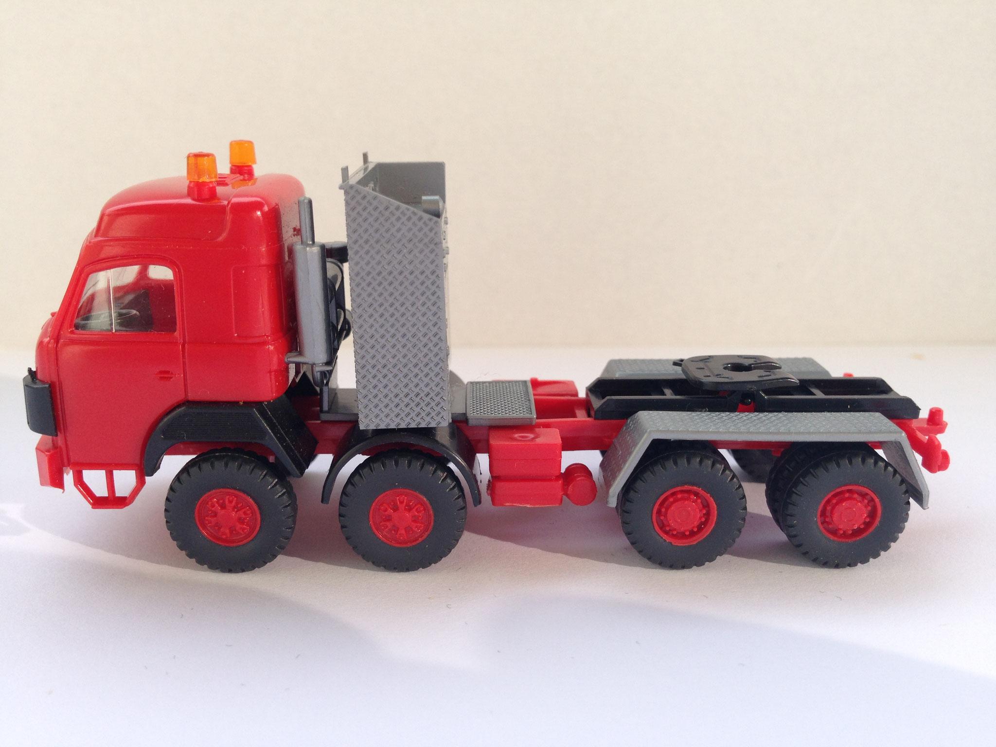 4-Achser Schwerlast-Zugmaschine, Art. Nr. 847 (Neuauflage ab ca. 1992 im Programm)