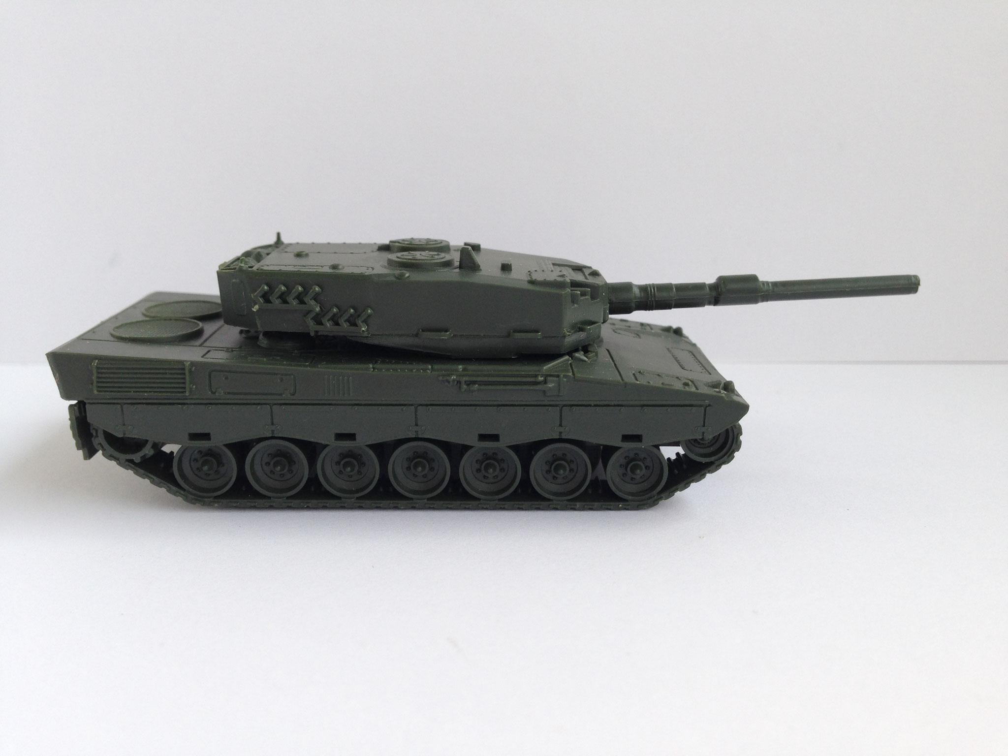 Leopard 2, Kampfpanzer, Art. Nr. 63 (ab 1977 im Programm)