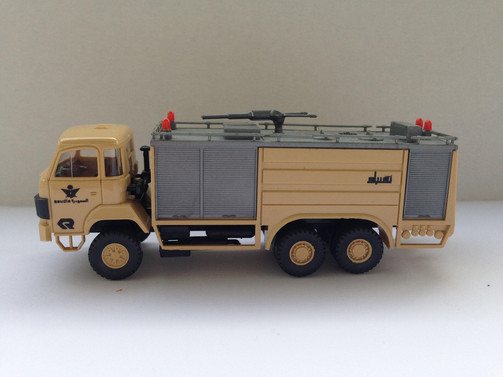 Feuerwehr Saudi-Arabien, 3-Achser-Tanklöschfahrzeug, Sondermodell