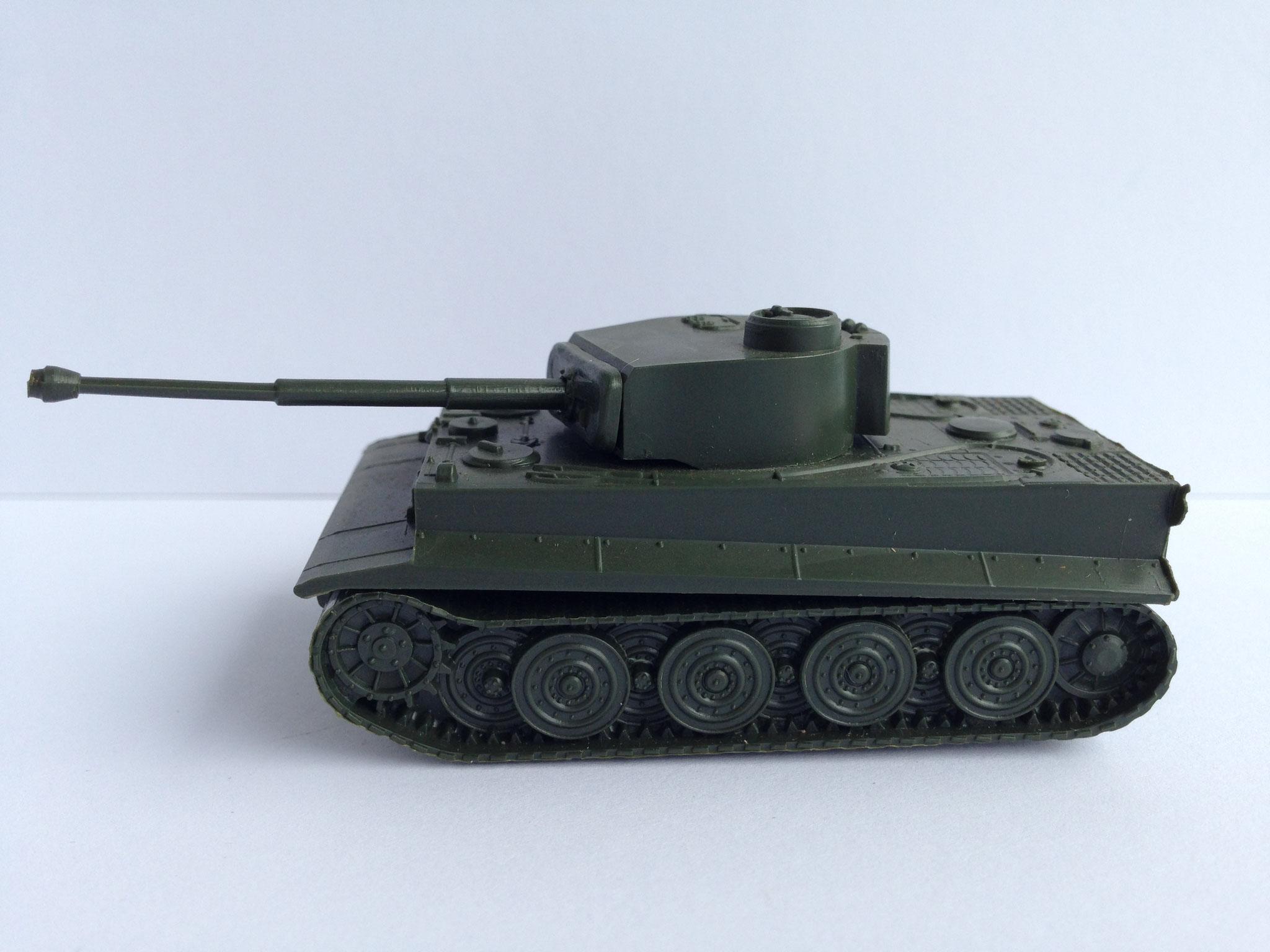 Tiger I E, schwerer Panzer der ehem. Deutschen Wehrmacht, Art. Nr. 50 (ab 1975 im Programm)