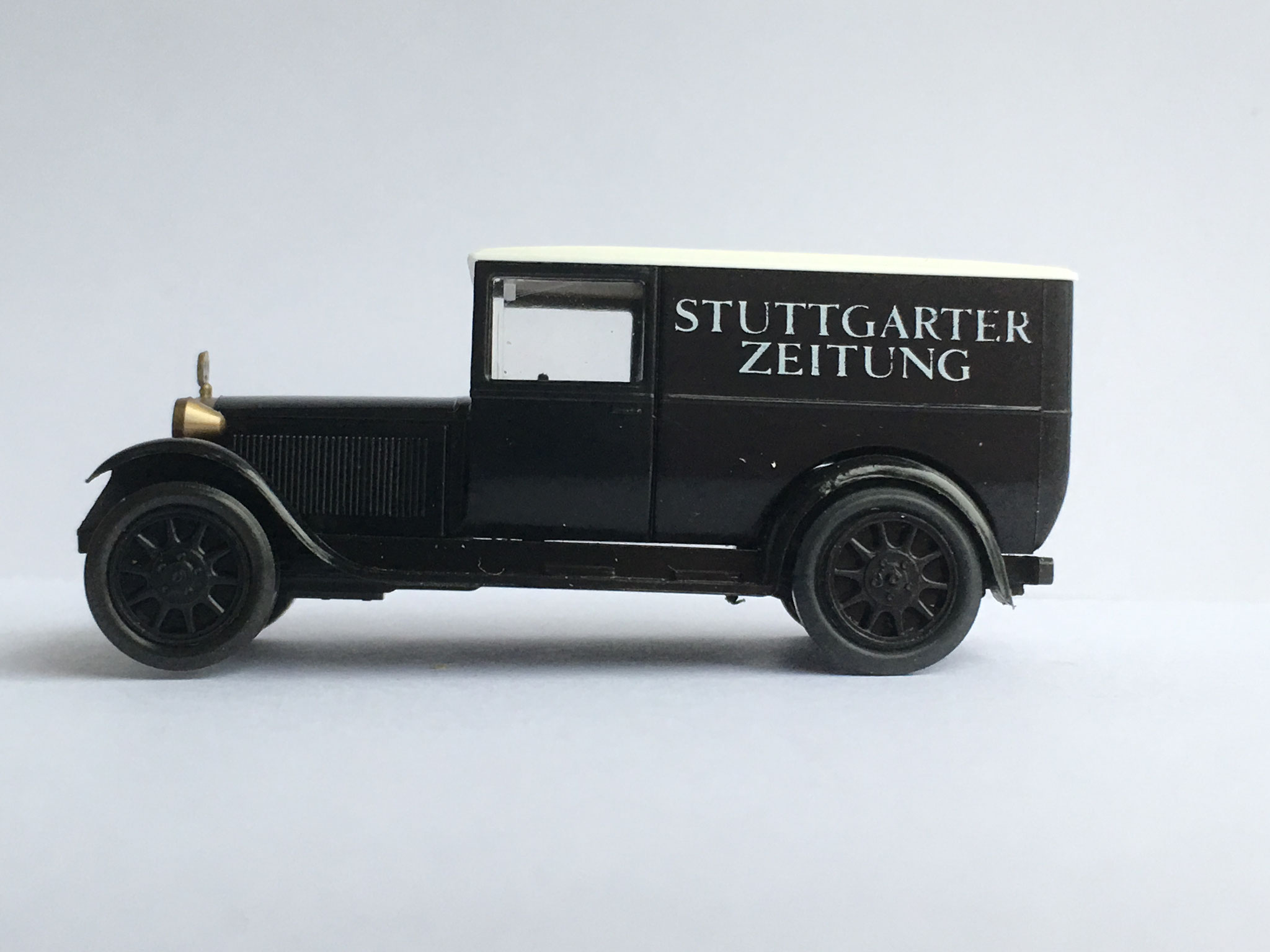 Mercedes L1000 Zeitungsauto Stuttgarter Zeitung, Art. Nr. 1049 (ab 1990 im Programm)