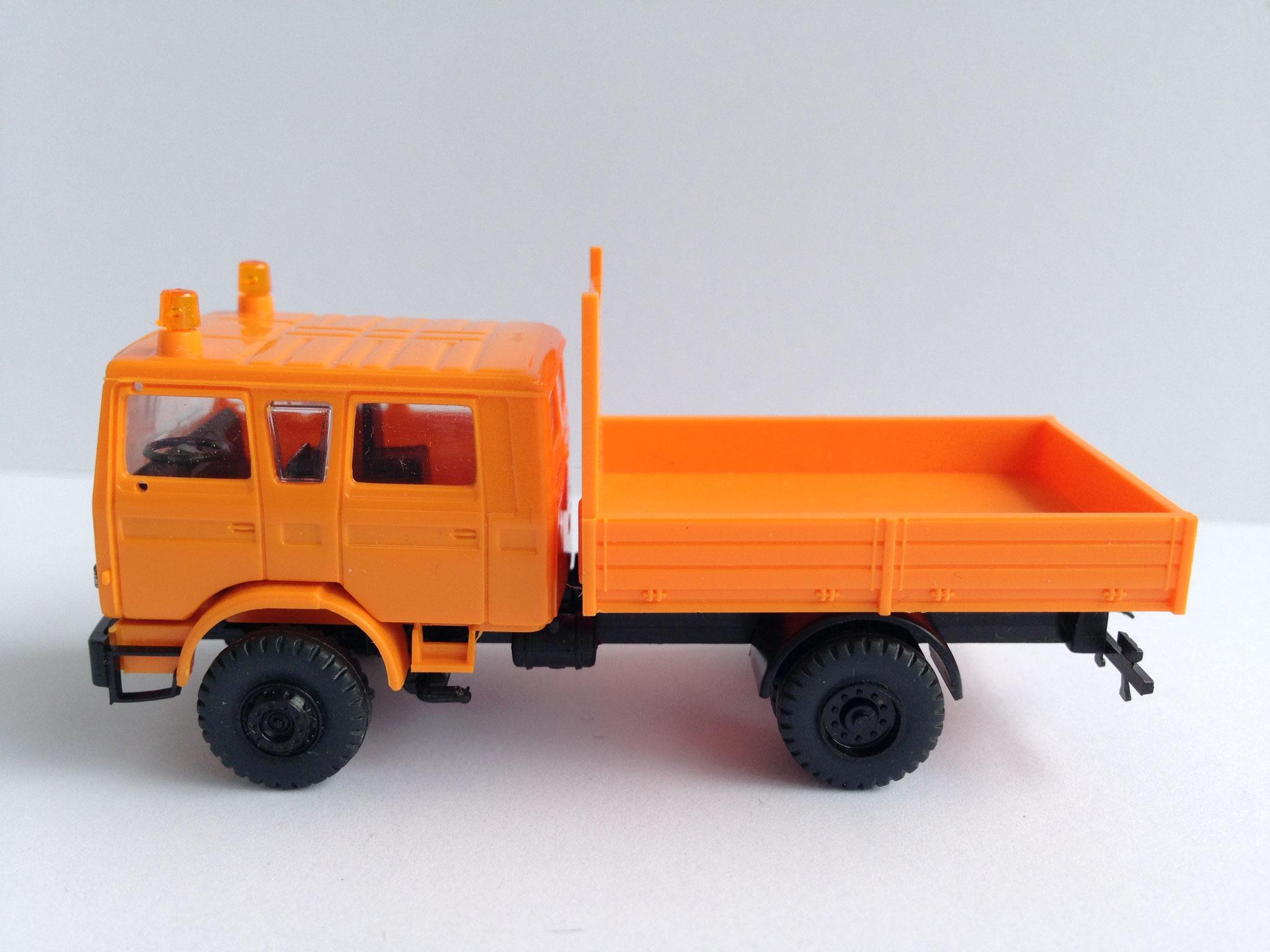 Kommunalfahrzeug, Doppelkabine mit Kurzpritsche, Art. Nr. 481 (ab 1988 im Programm)