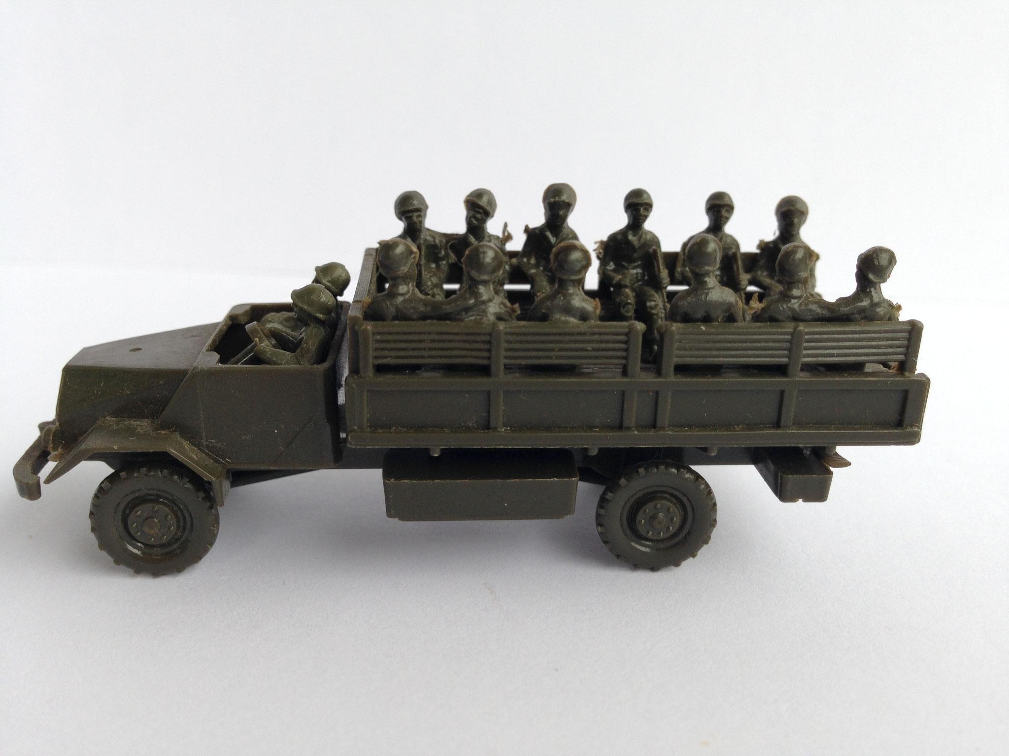 Ford 3t mit 14 Figuren, Art. Nr. 141 B (ab 1961/62 im Programm)