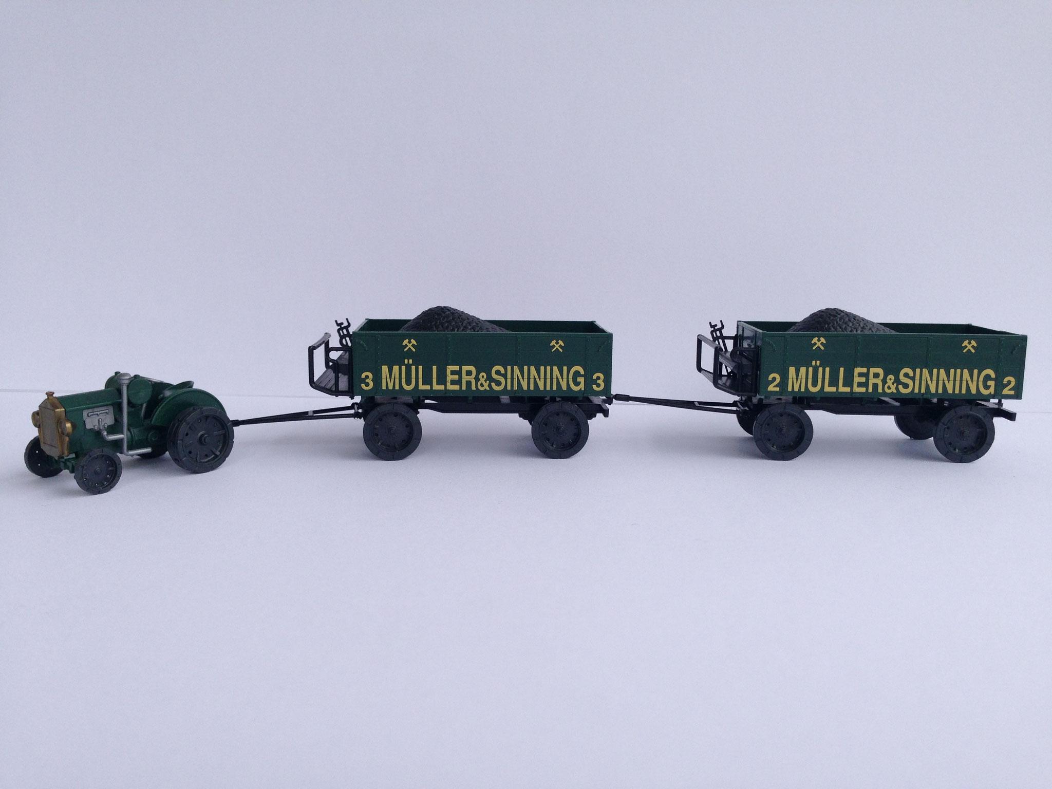 Hanomag WD-Radschlepper mit 2 Kohlenanhängern, Müller & Sinning, Art. Nr. 381 (ab 1992 im Programm)
