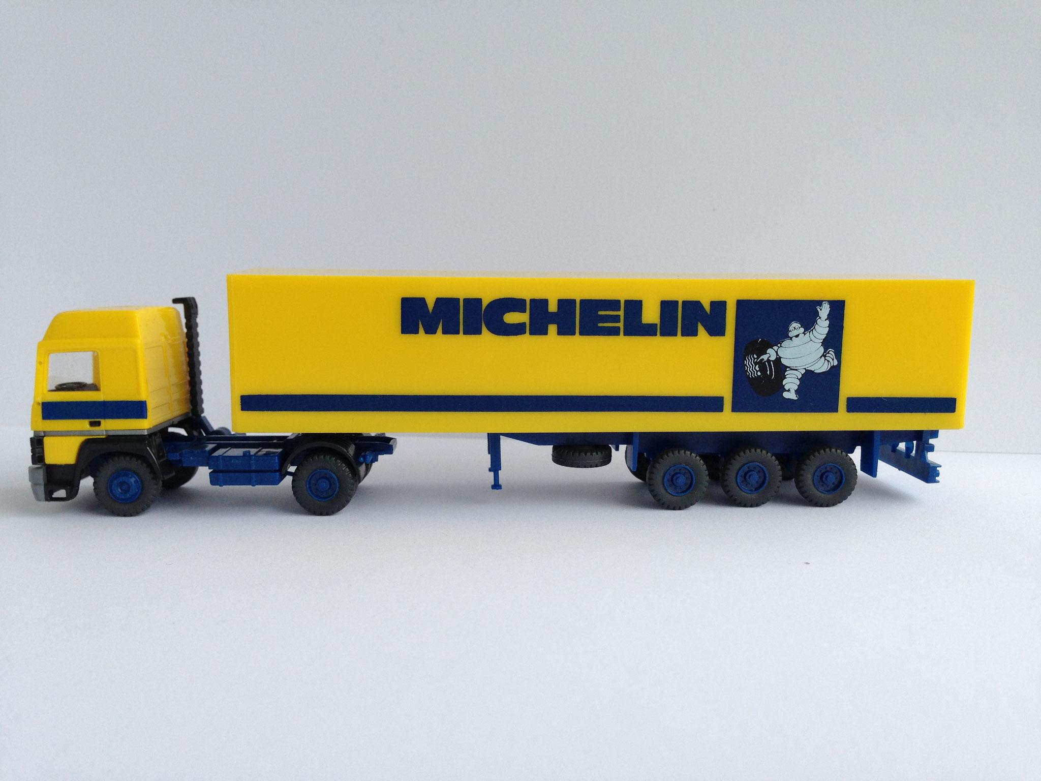 Michelin Sattelzug mit 3-Achs-Kastenauflieger, Art. Nr. 565