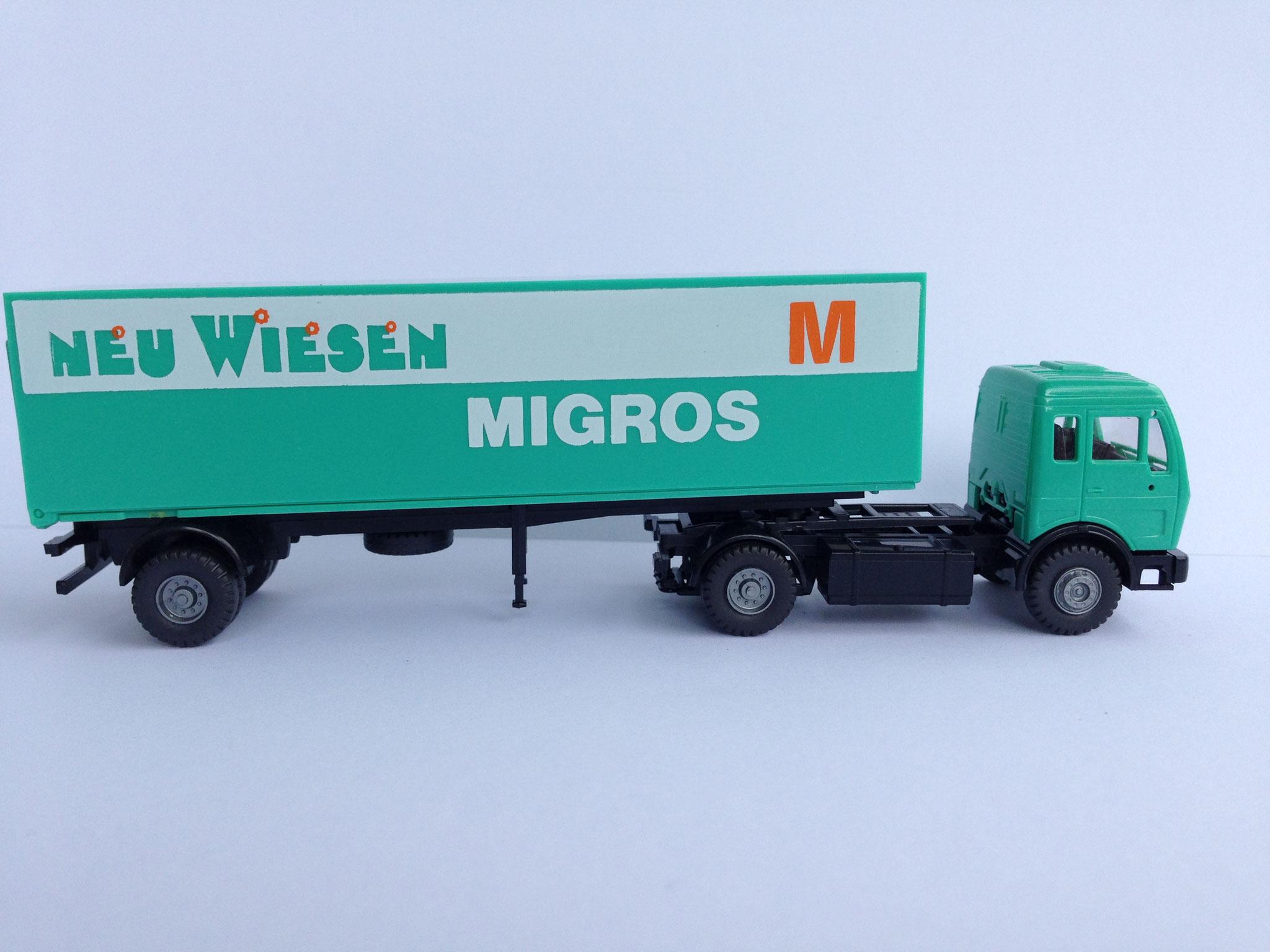 Migros, Sattelzug mit 1-Achs-Auflieger, Kasten, Art. Nr. 858 (Neuauflage ab 1992 im Programm)