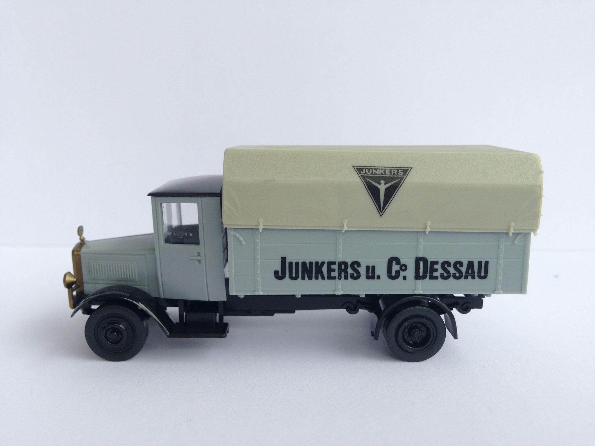 Mercedes L5 Junkers & Co Dessau, hellgrau