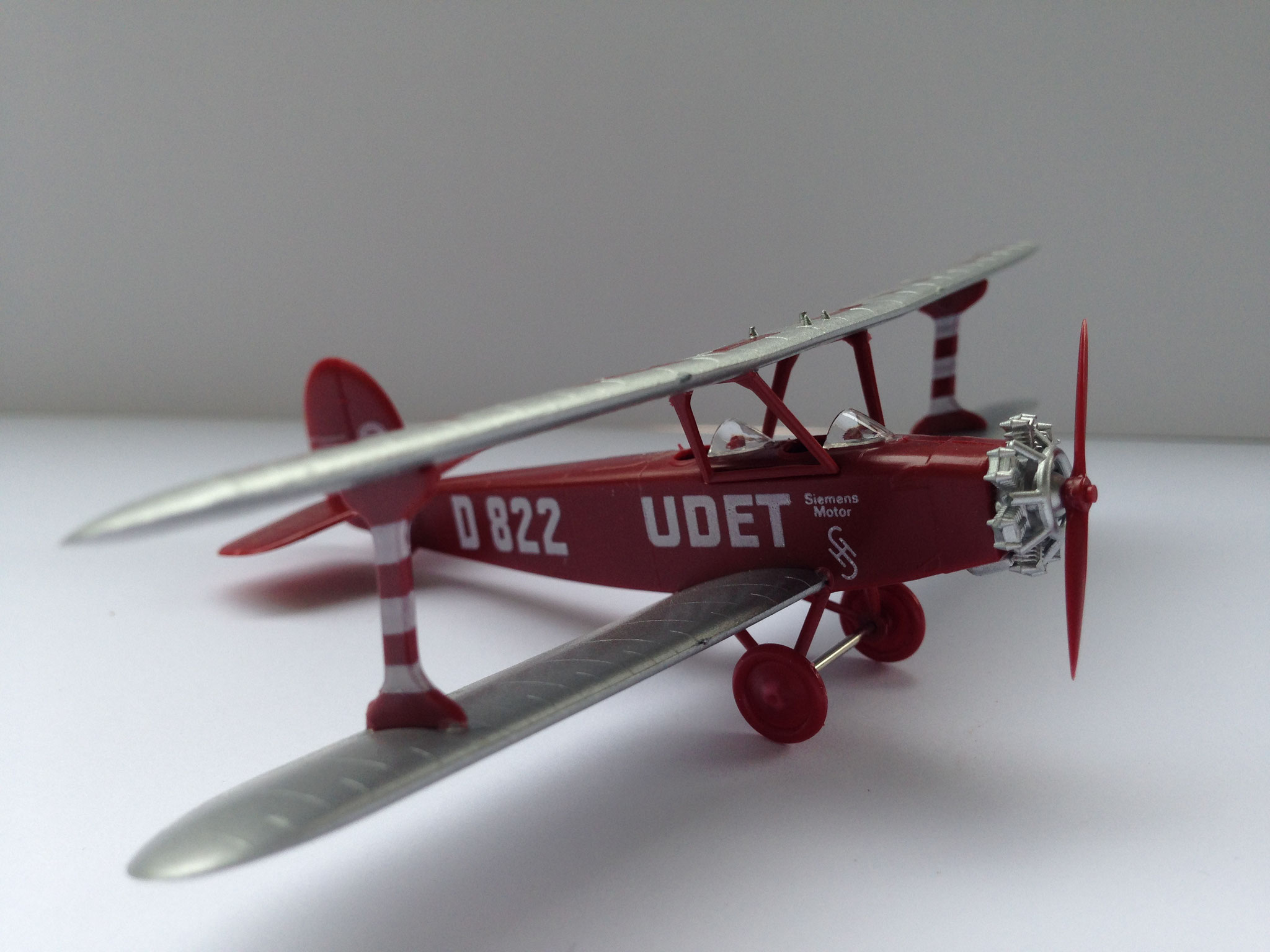 Udet Flamingo, Kunstflug- und Schulflugzeug, rotbraun, Fertigmodell, Art. Nr. 981 (ab 1994 im Programm)