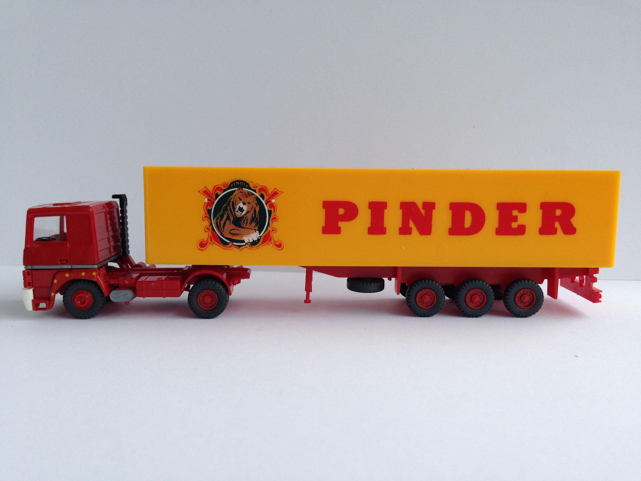 Pinder Sattelzug mit 3-Achs-Kastenauflieger, Art. Nr. 748 (ab 1989 im Programm)