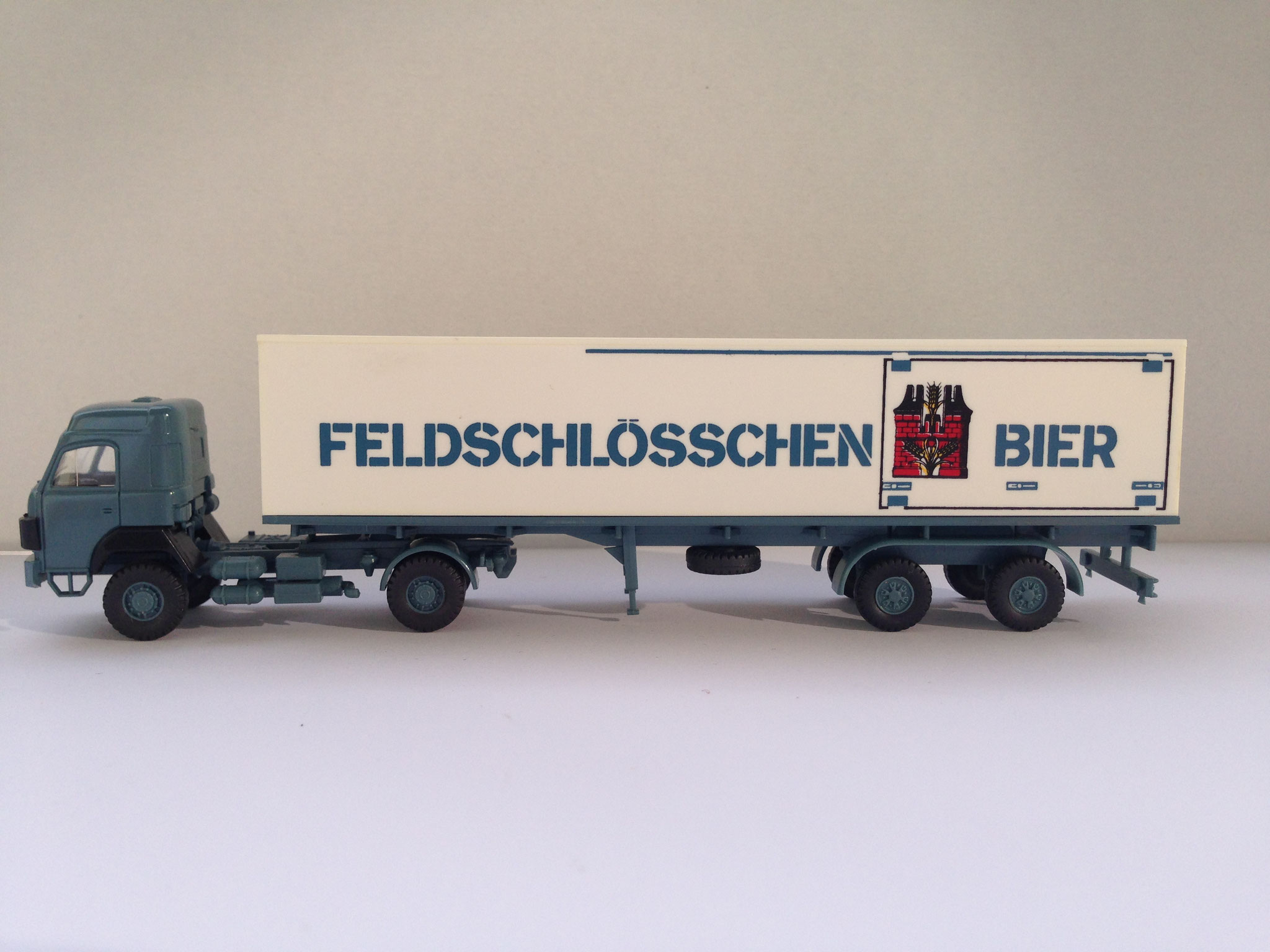 Feldschlösschen Bier, Sattelzug mit 2-Achs-Auflieger, Art. Nr. 516 (ab 1985 im Programm)