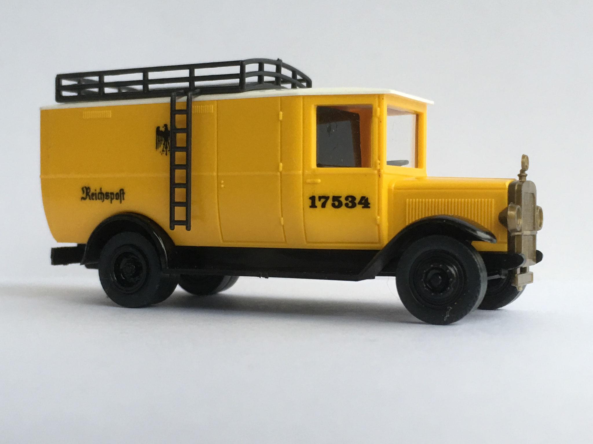 Mercedes L2 Kastenwagen Reichspost, gelb, schwarzer Gepäckträger, Nr. 17534, Art. Nr. 1028 (ab 1989 im Programm)