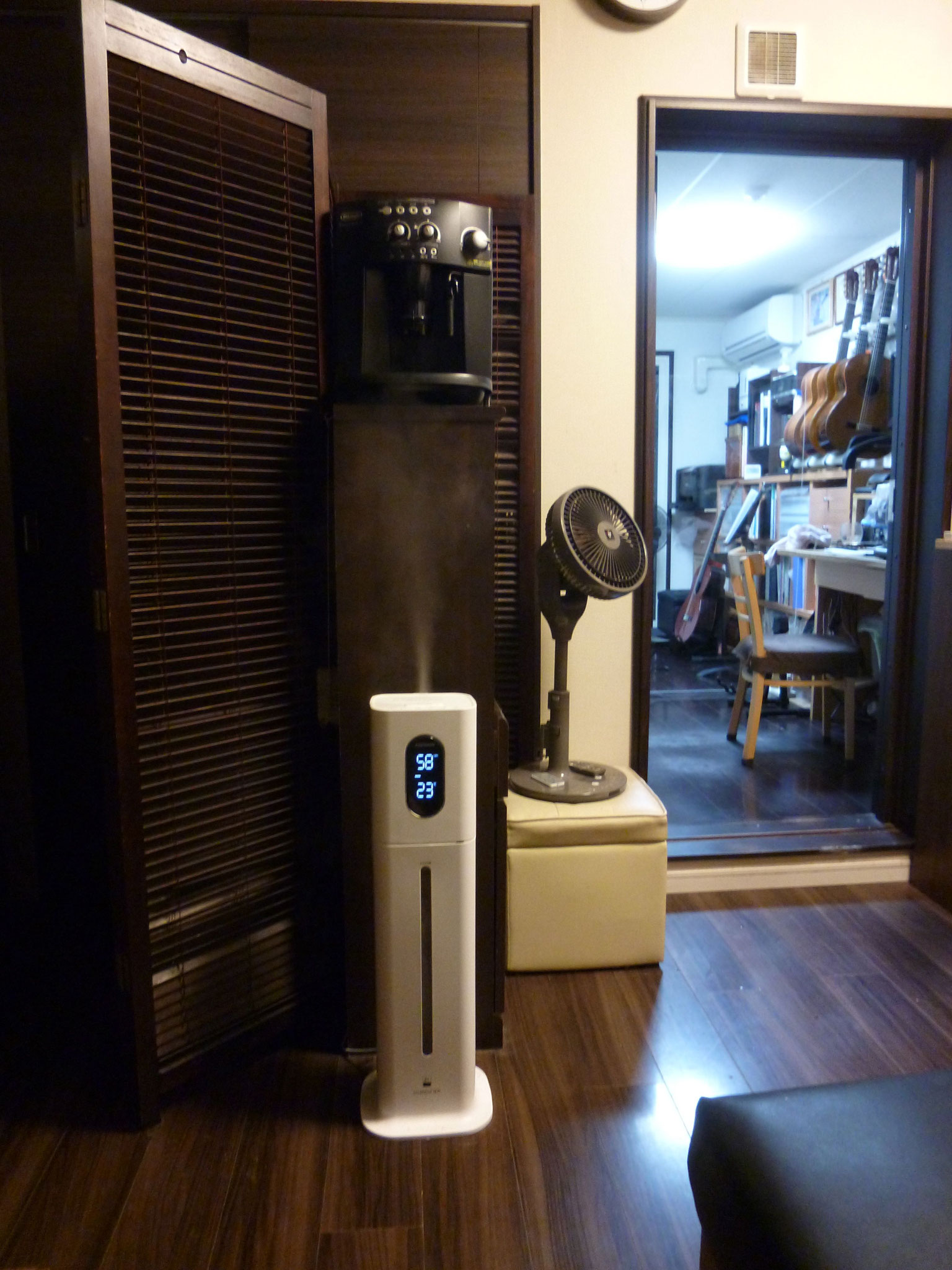 待合いルーム/大型次亜塩素酸水加湿器