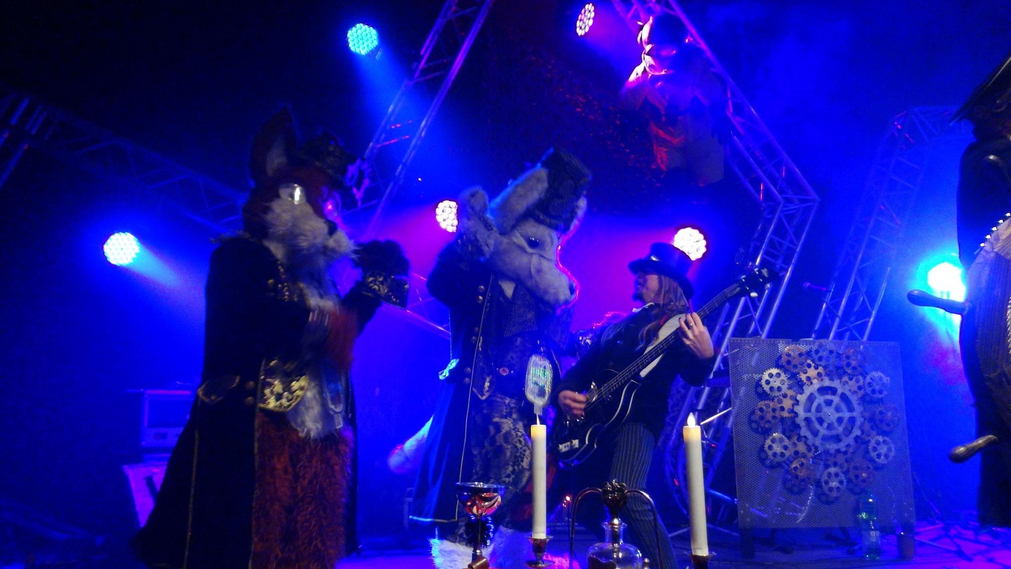 Auf der Bühne mit La Frontera Victoriana in Leipzig