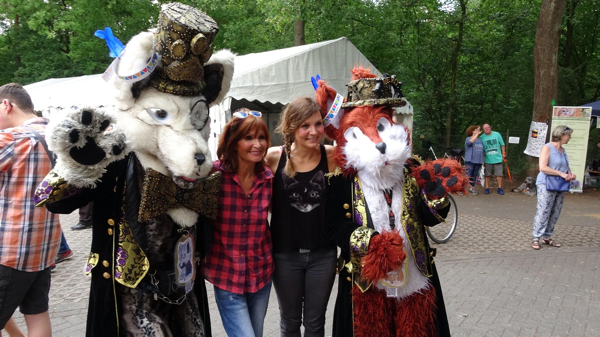 Mit Susanne Uhlen und Simone Sombecki