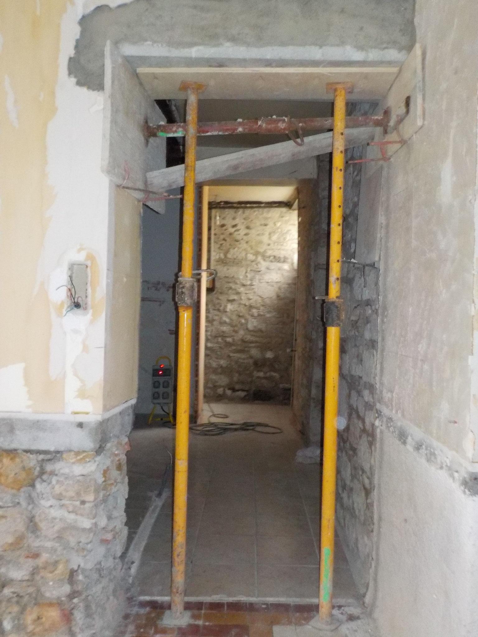 réhausse du linteau du passage cuisine / salon