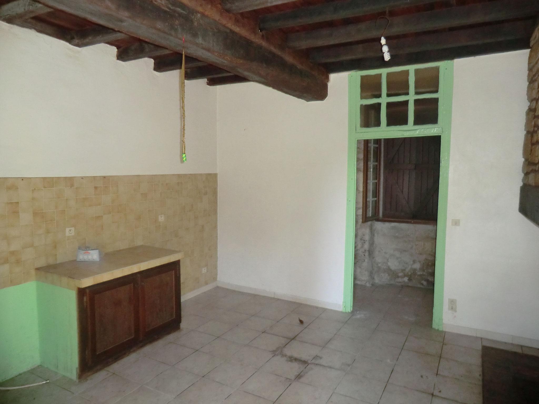 état initial de l'ancienne cuisine (suppression de la cloison en briques)