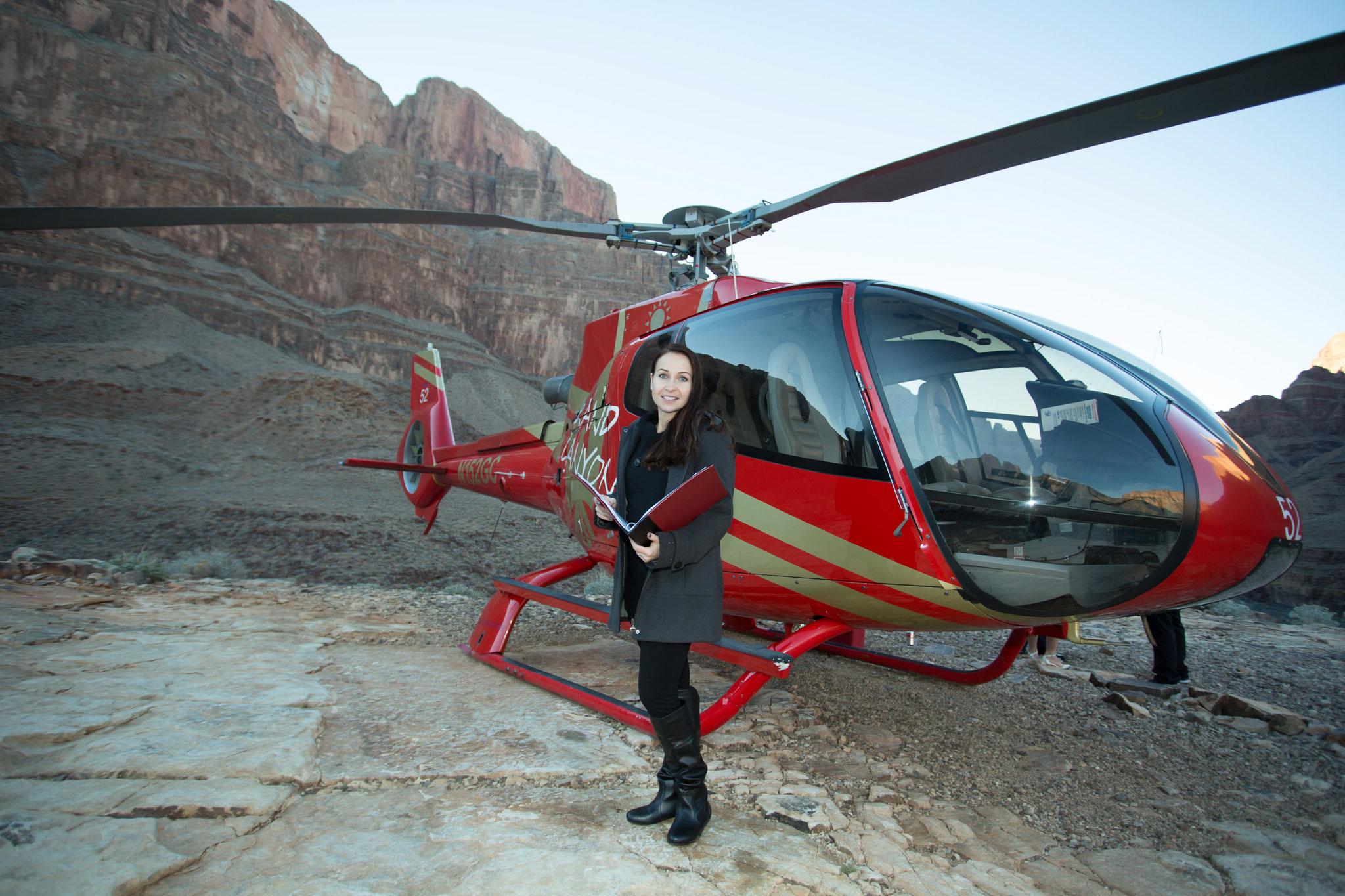 Das bin ich die Janine eure Standesbeamtin im Grand Canyon