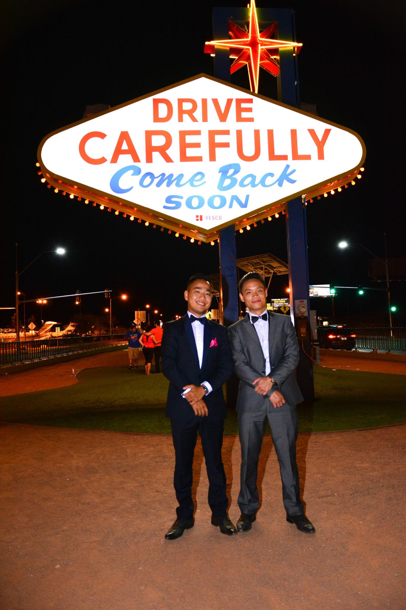 Welcome to Las Vegas Sign Hochzeit mit Freunden