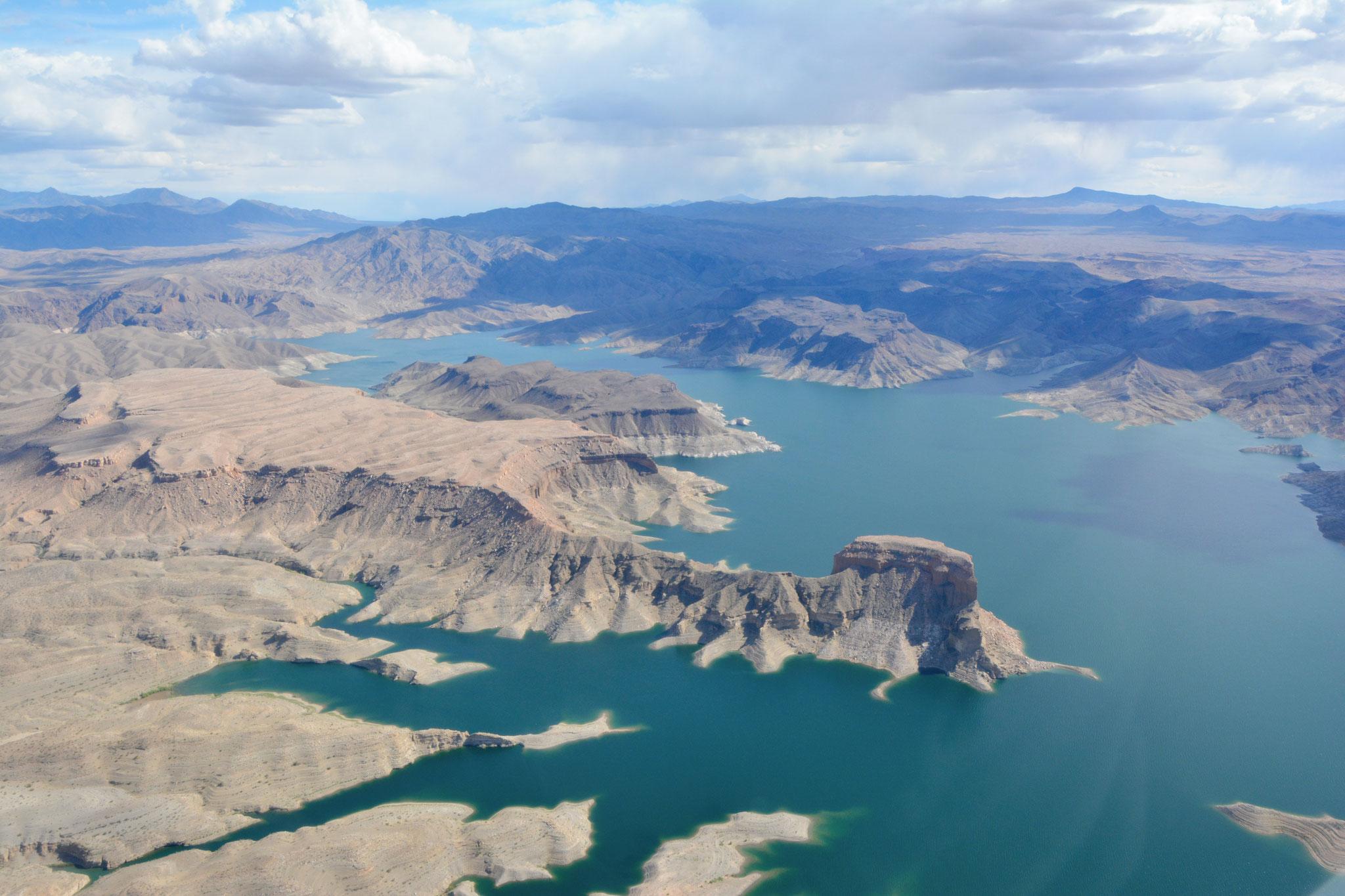 Helikopterflug über Lake Mead