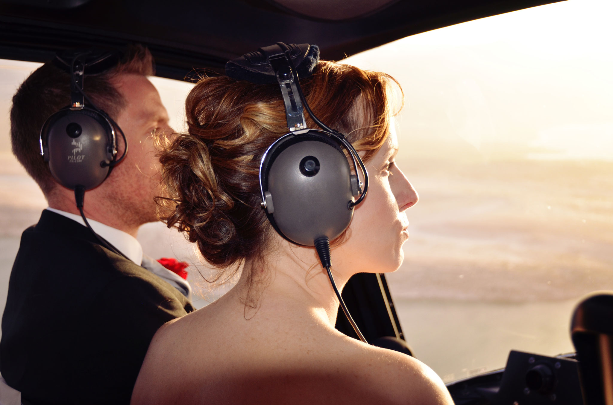 Brautpaar auf dem Flug zum Grand Canyon
