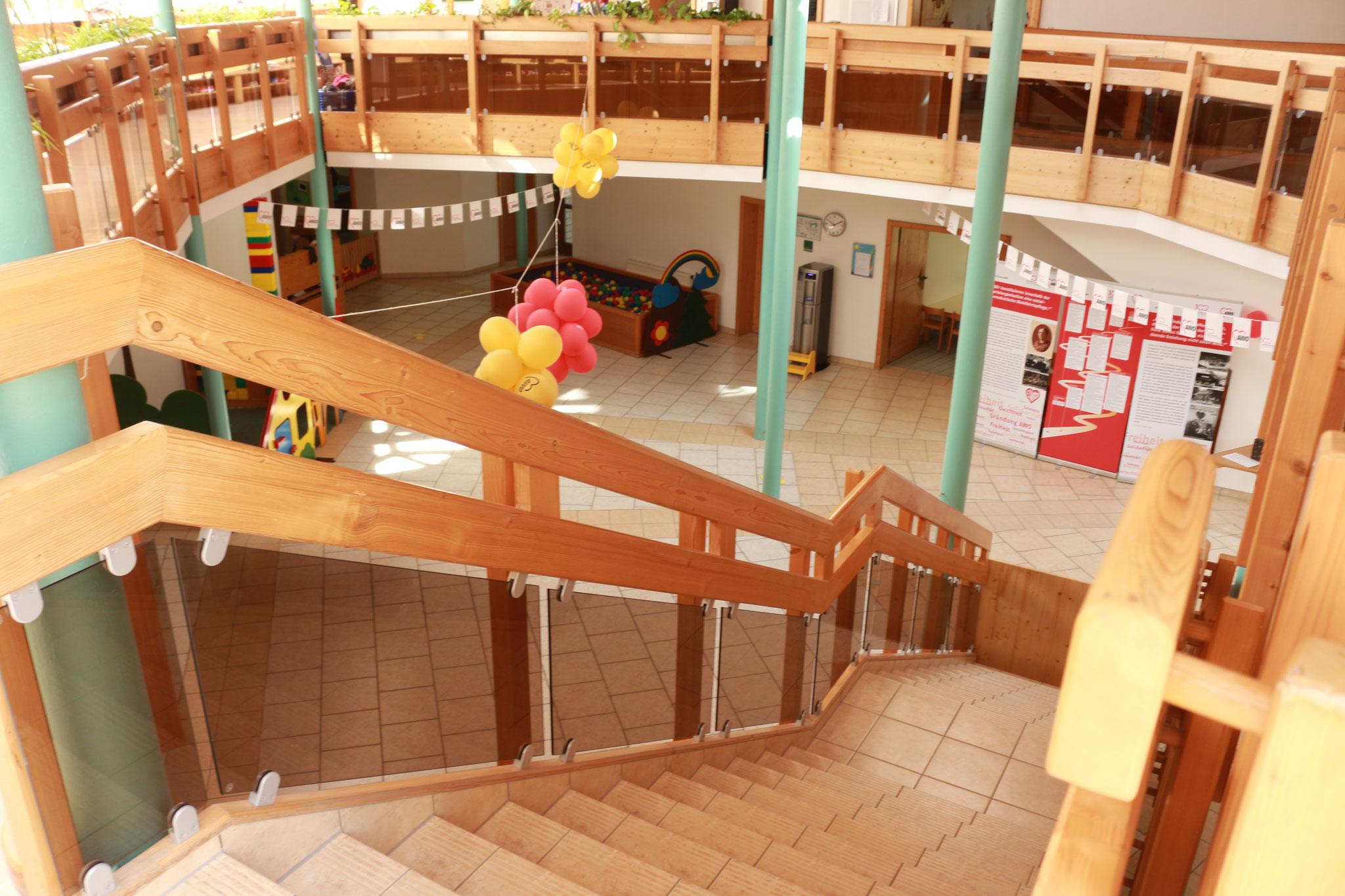 Treppenaufgang in den Kinderhort und in das Vorschulzimmer