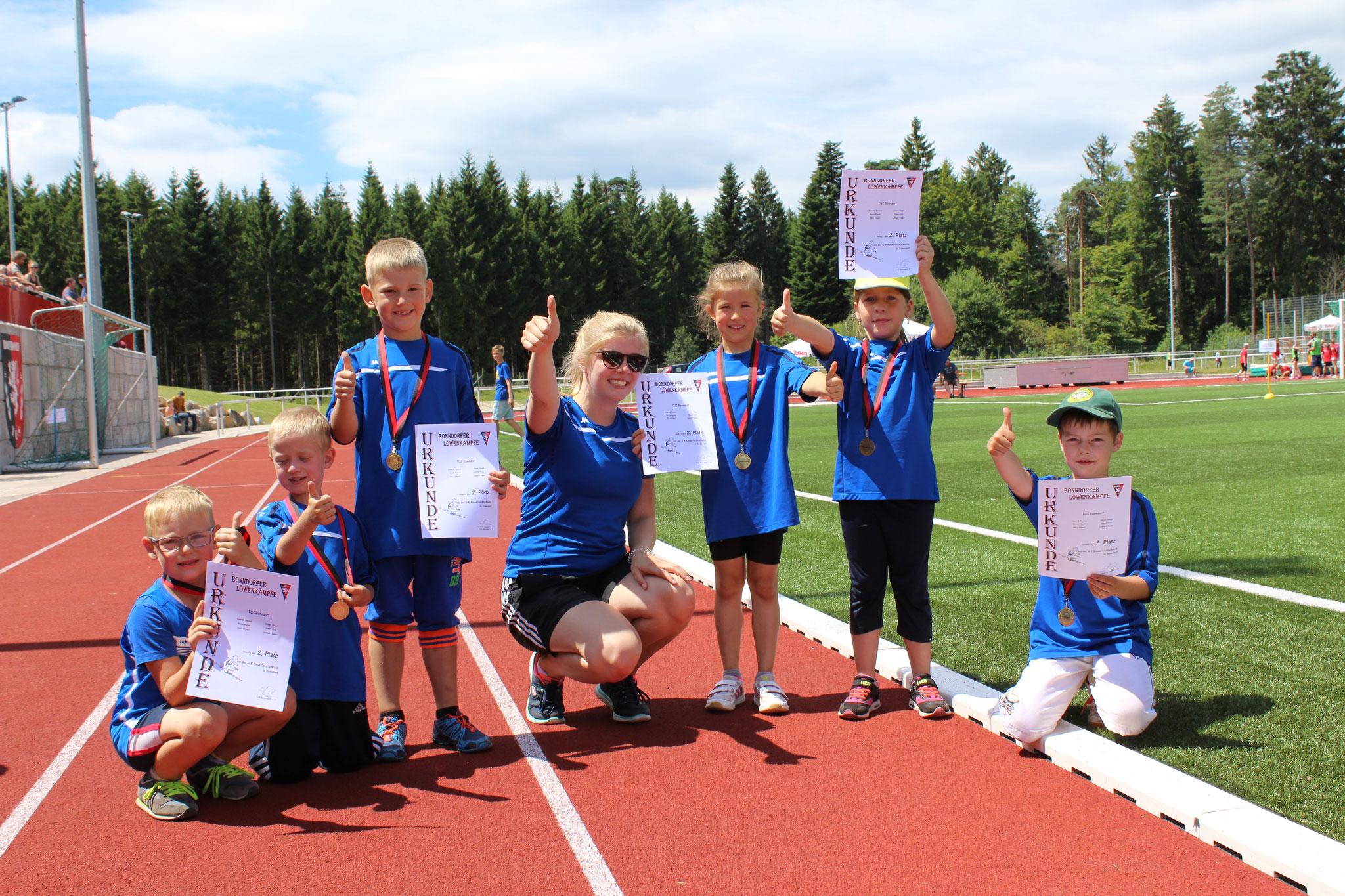 Trainerin Mareike Thor ist stolz auf ihre jungen Athleten.