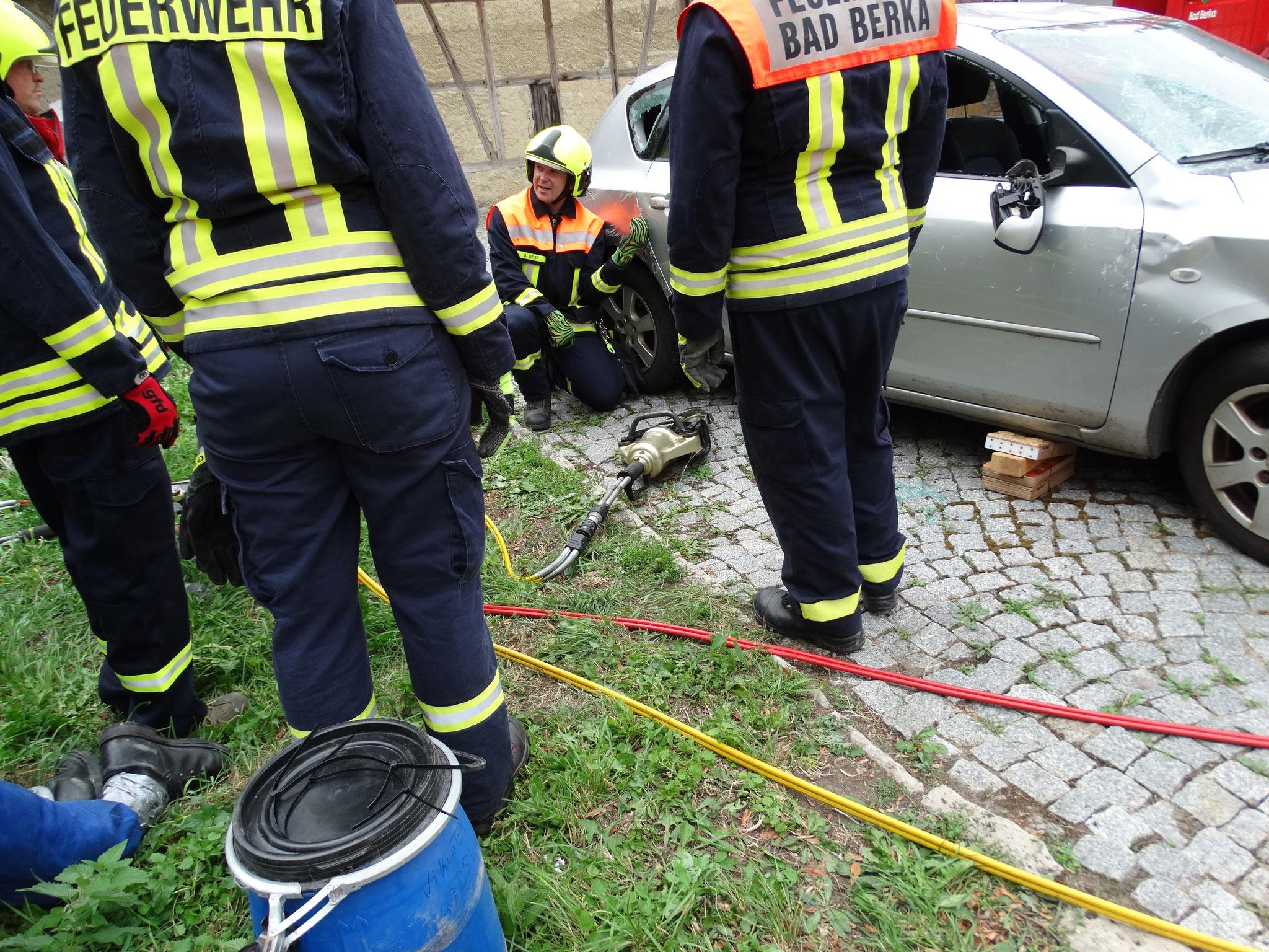Arbeiten mit hydraulischen Rettungsgeräten