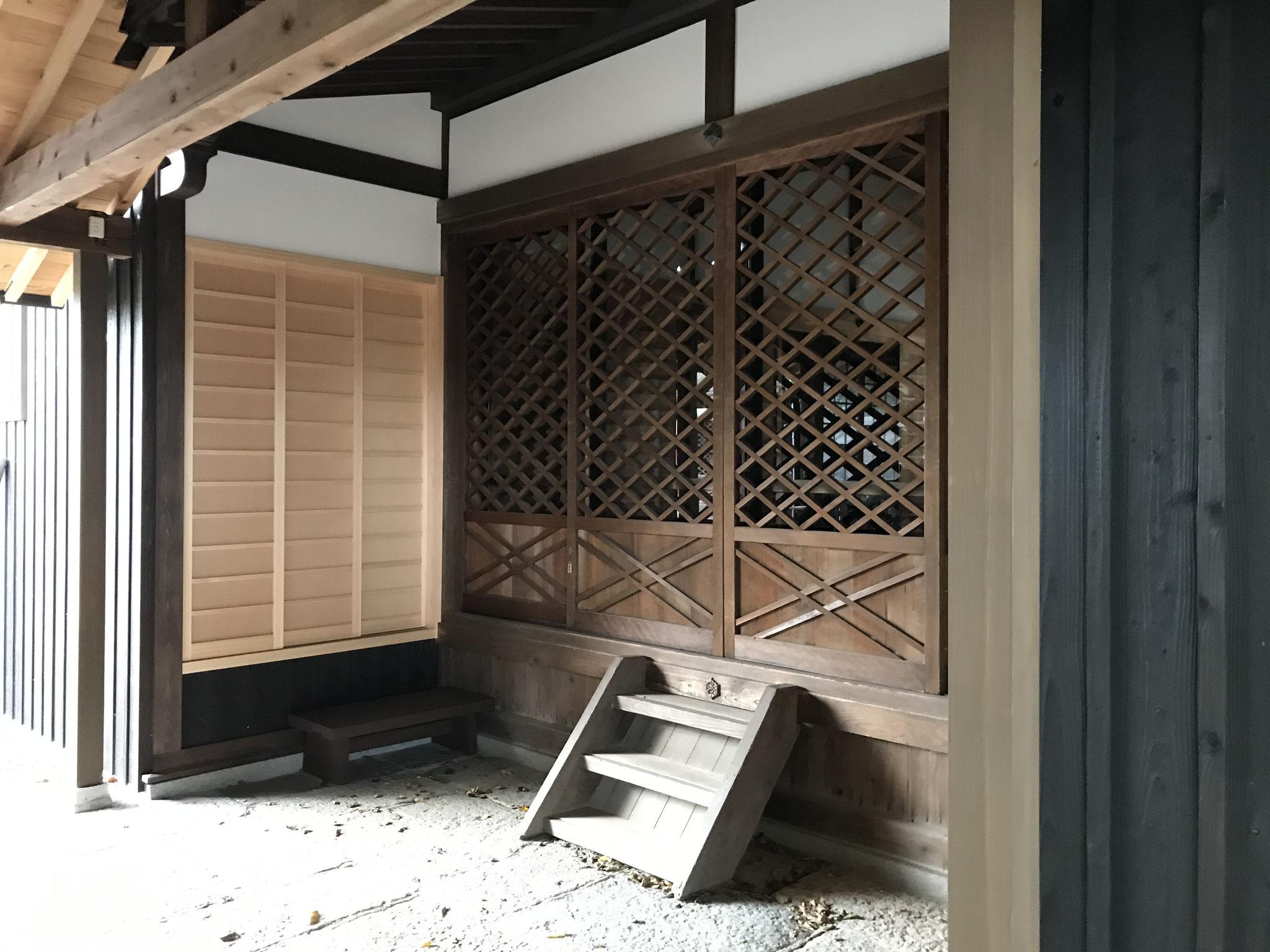 増築した拝殿倉庫