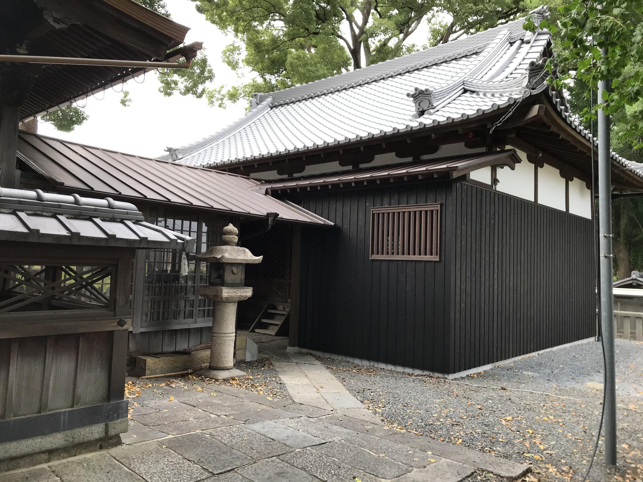拝殿(北側)