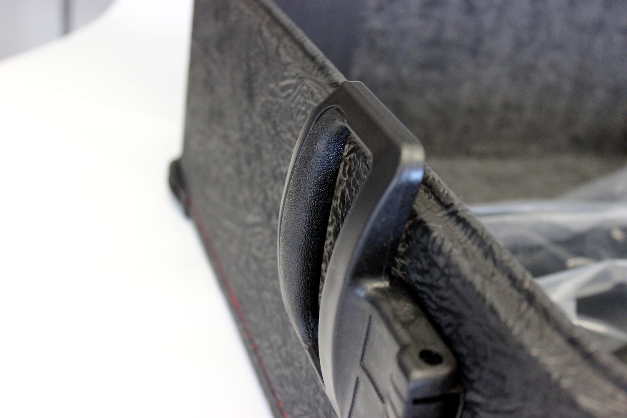 Koffer mit Klappgriff
