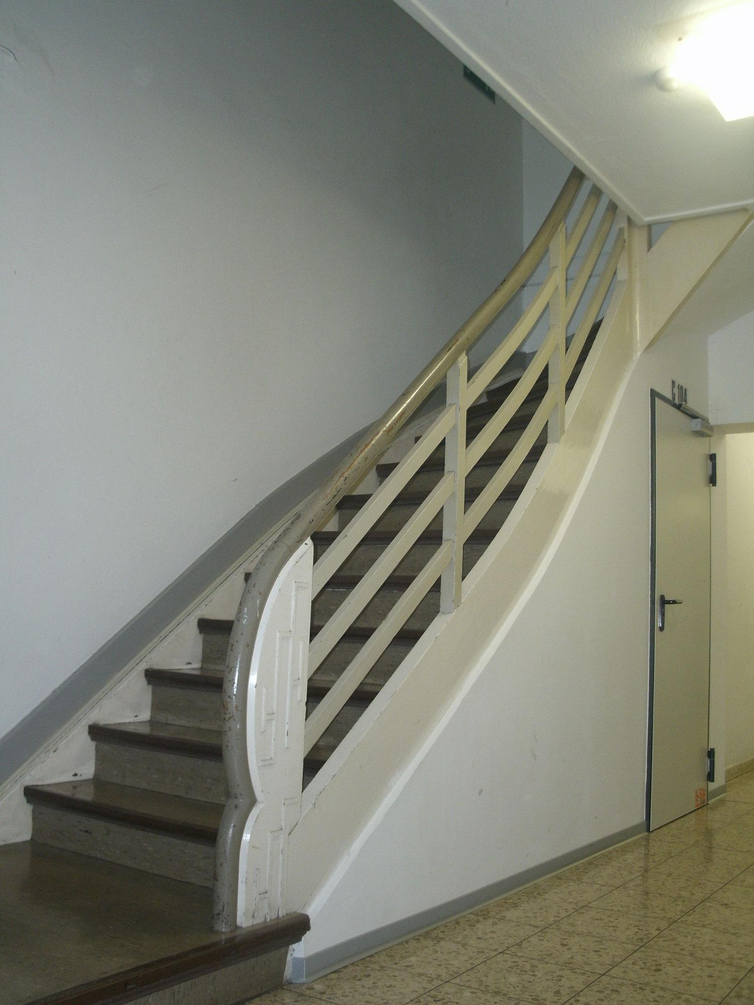 Die Treppe im Sportbereich führt heute nur noch zu den Beratungsräumen.