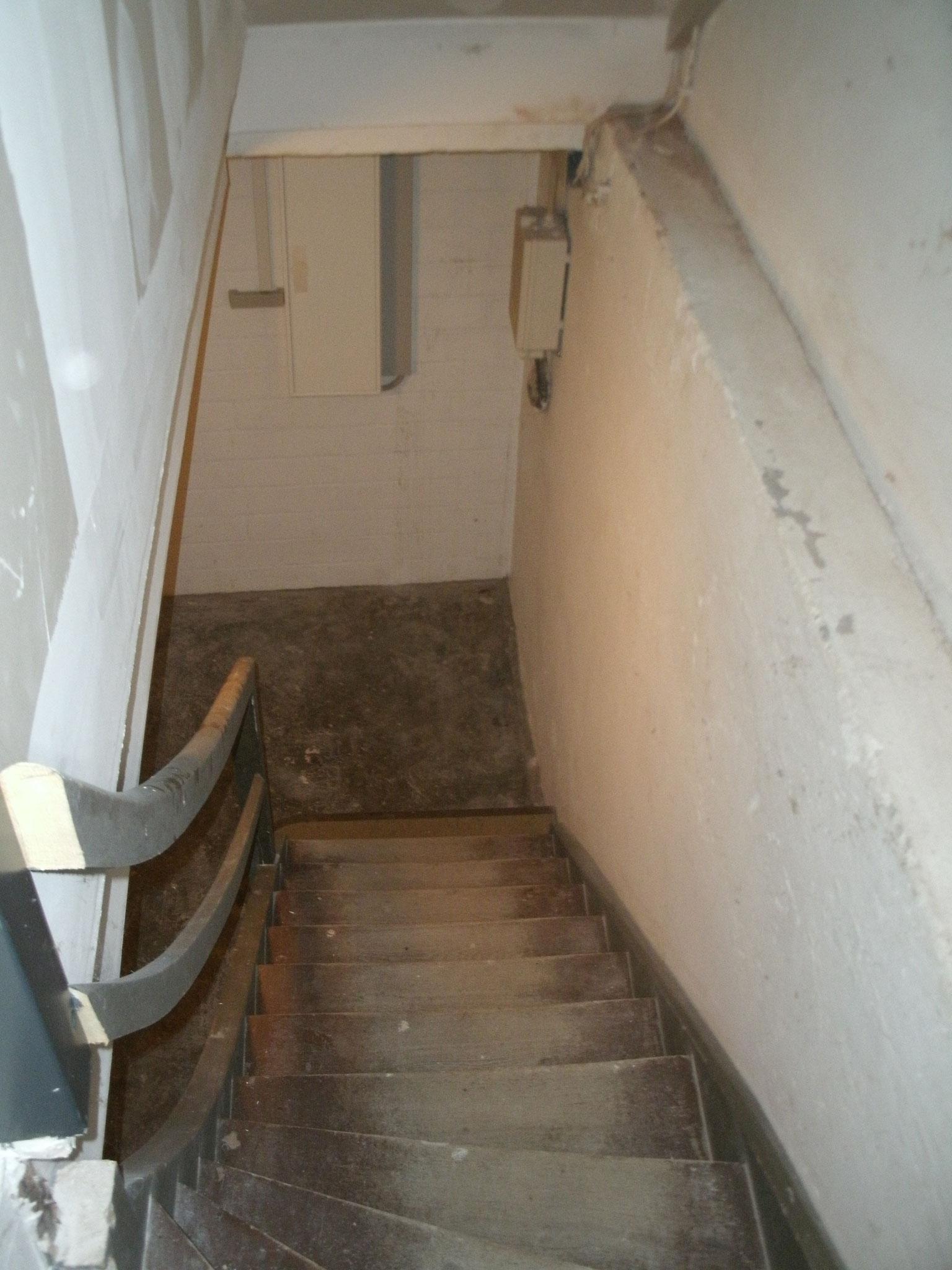 Die Treppe in den alten Heizungskeller.