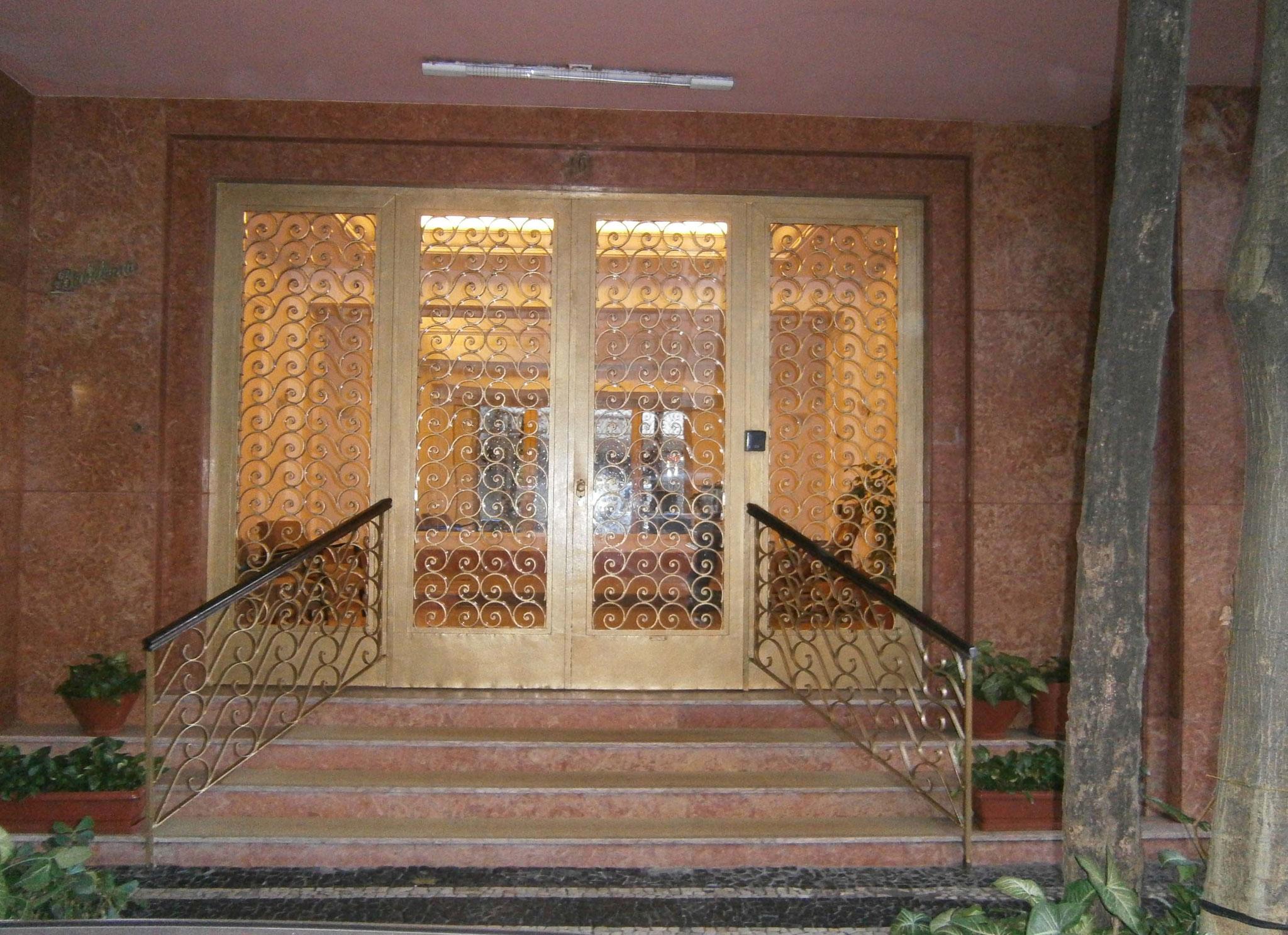 der Gebäudeeingang