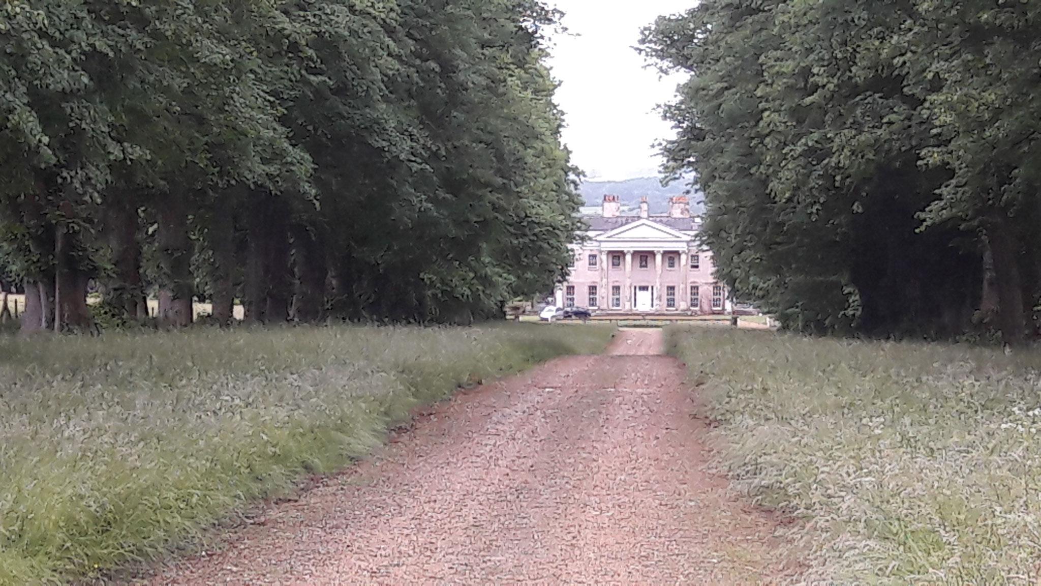 eine der vielen alten Herrenhäuser am Wegesrand die zum National Trust gehören