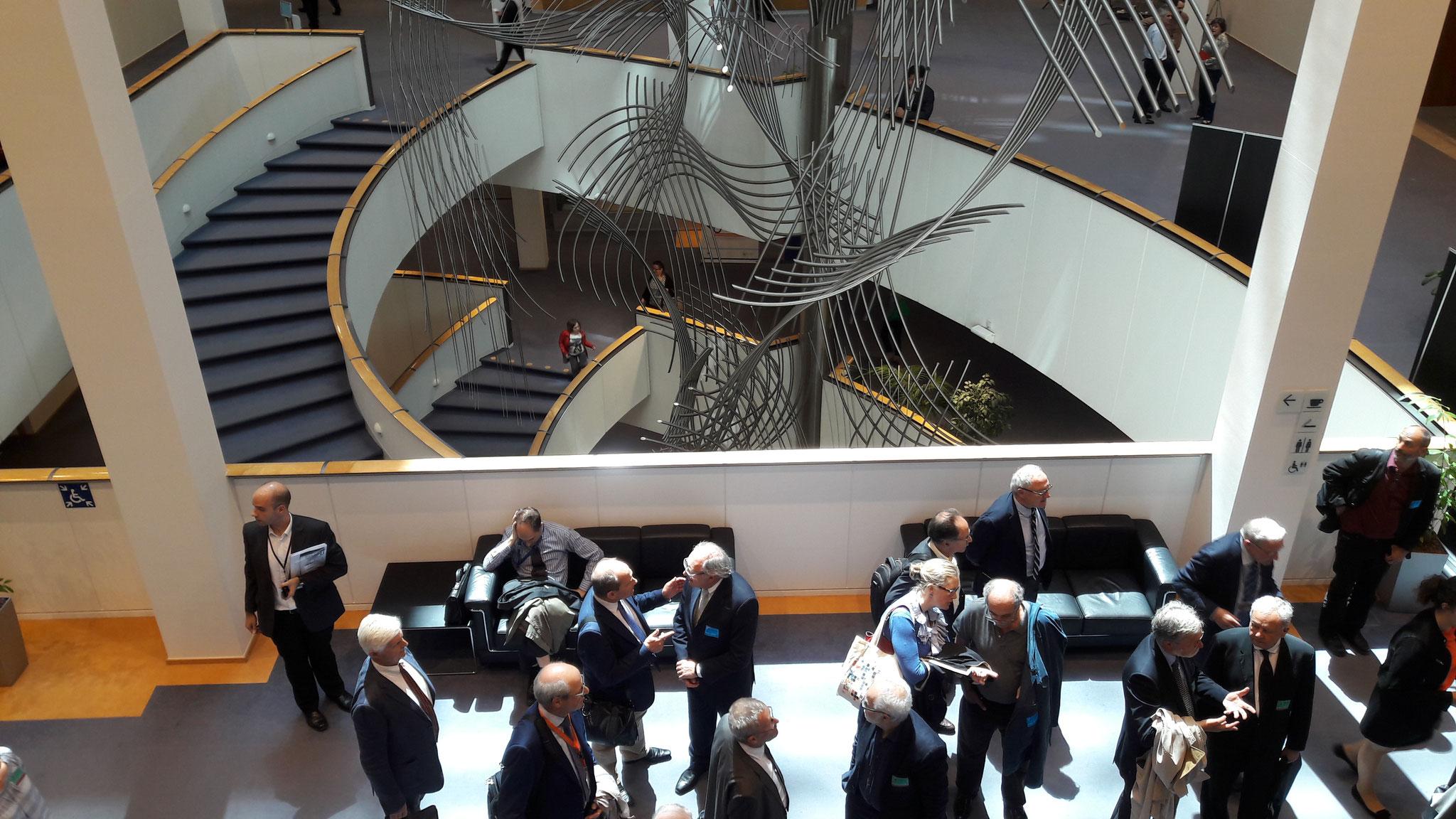 im Parlament, Vorraum zum Sitzungssaal