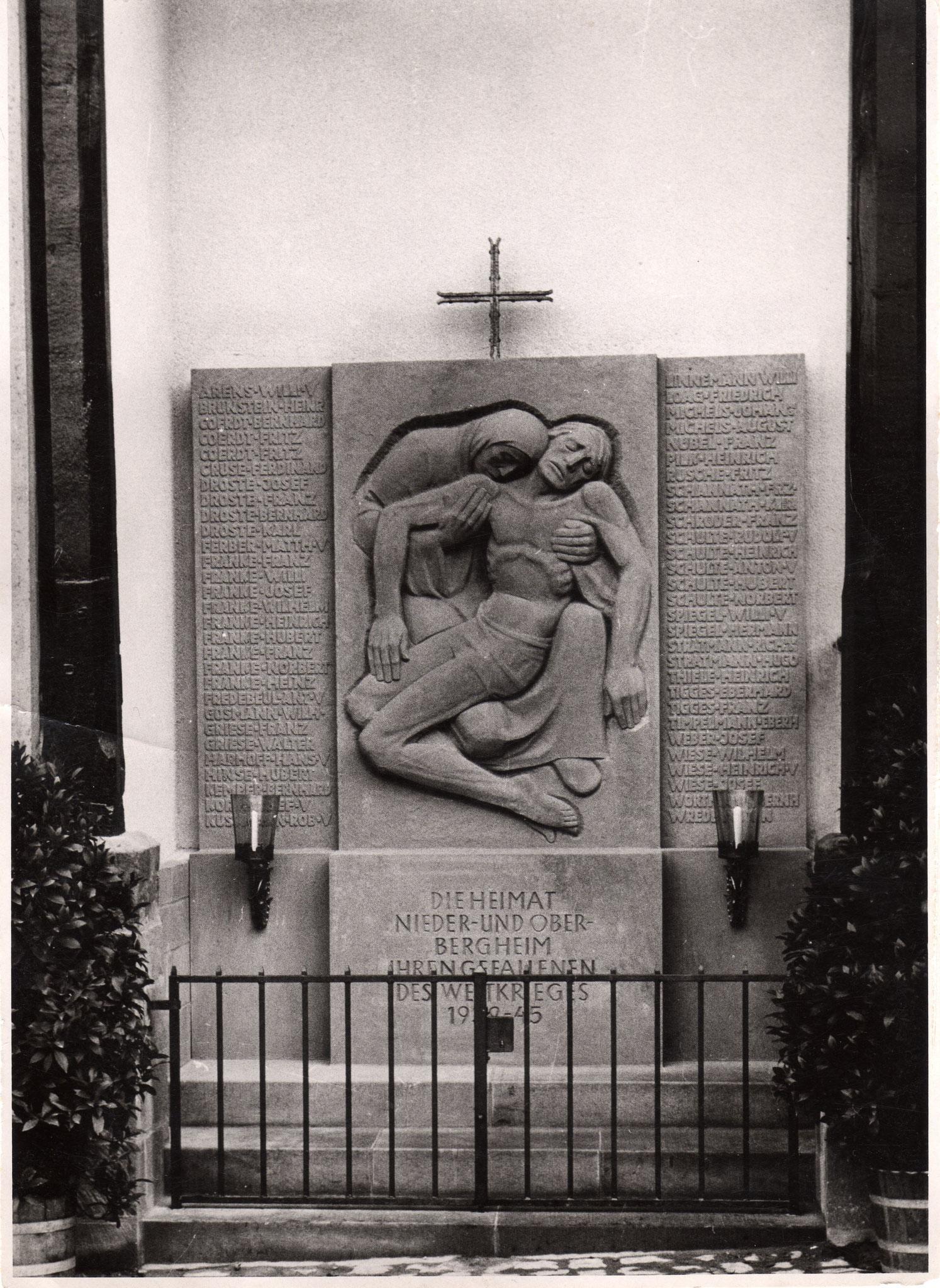 Ehrenmal Einweihung 1953