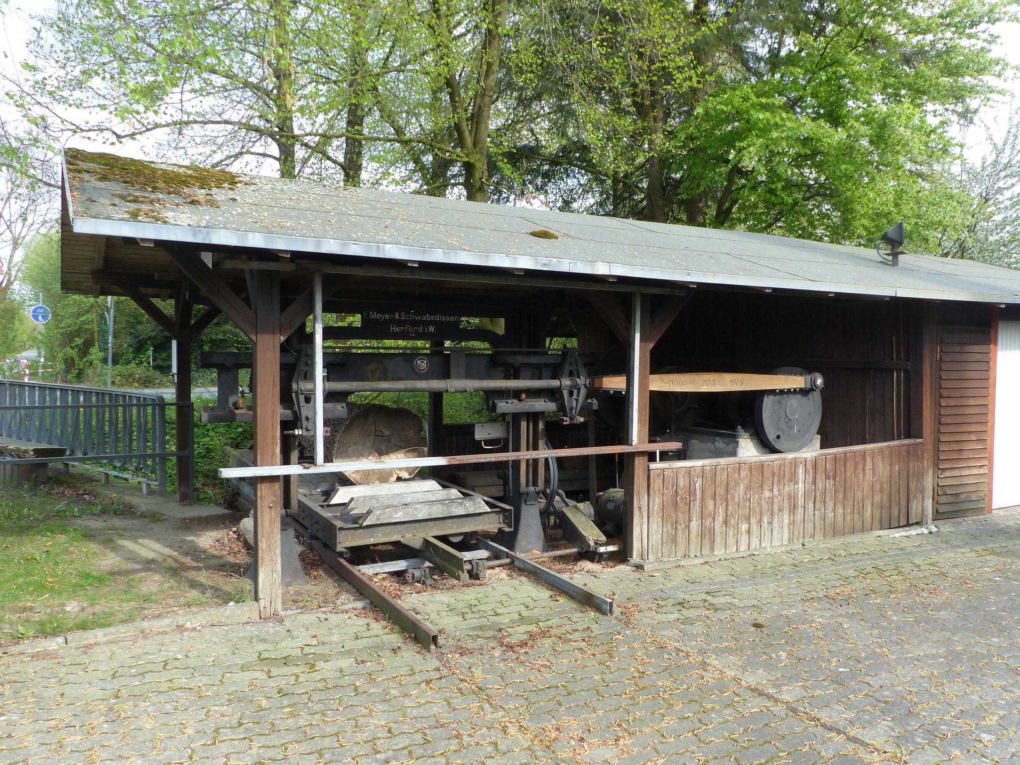 Technisches Kulturdenkmal - Renoviertes Horizontalgatter am Möhnetalradweg