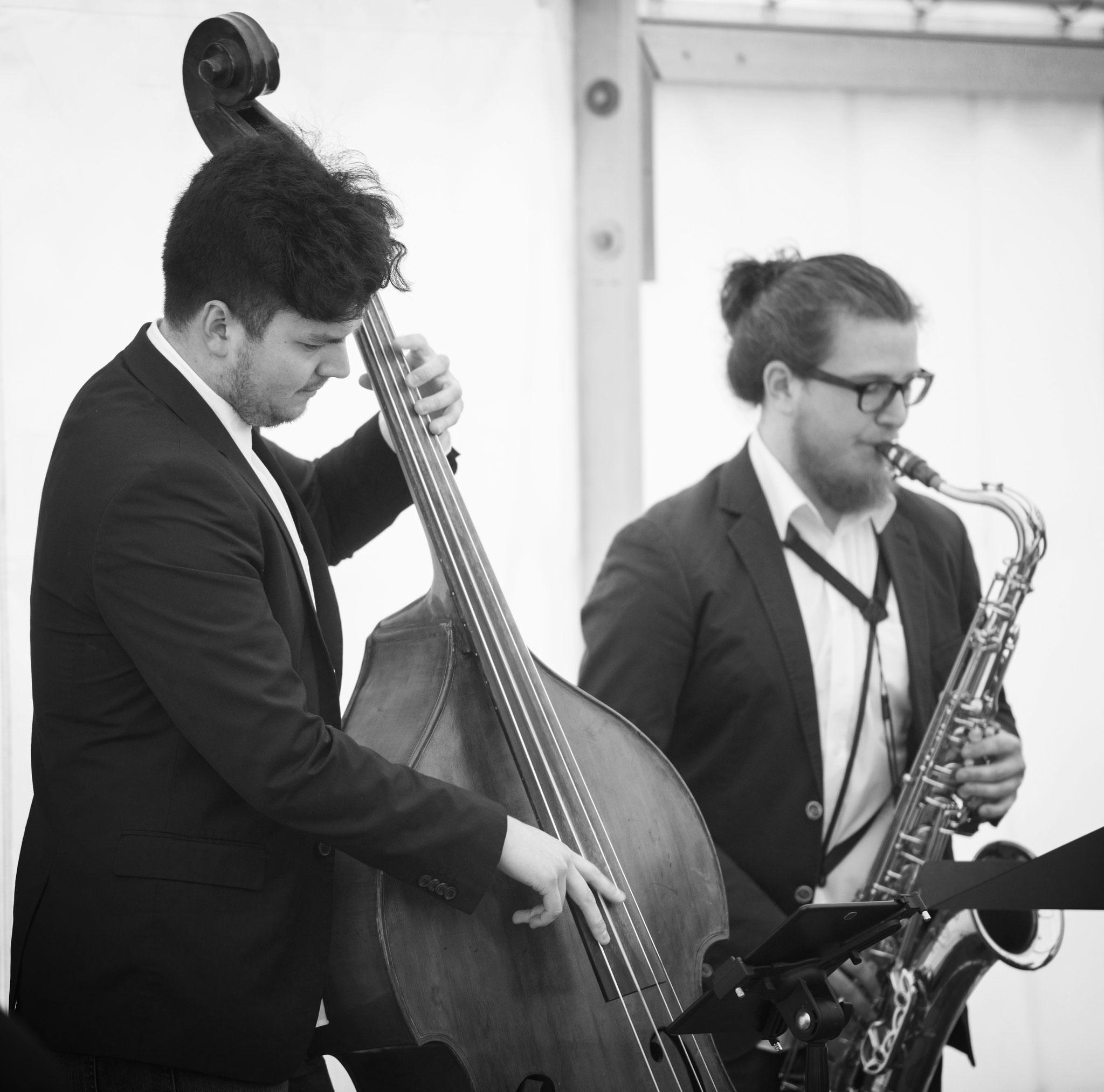 Sax & Bass