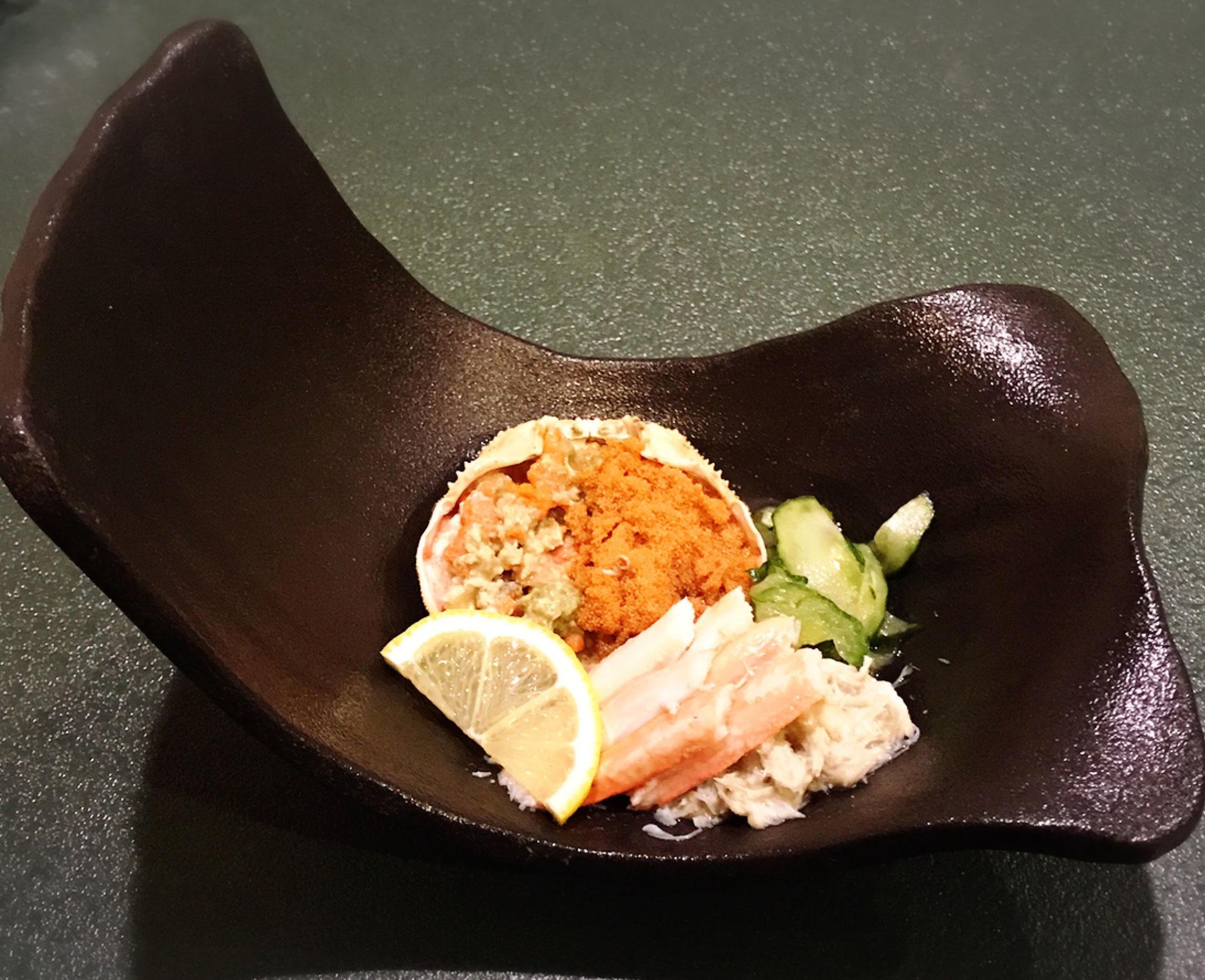 幻の蟹せいこ…解禁より1ヶ月半しか味わえないカニ味噌が絶品のメスのずわい蟹。当店では解体&身出し済でお箸で簡単に味わえますよ♪