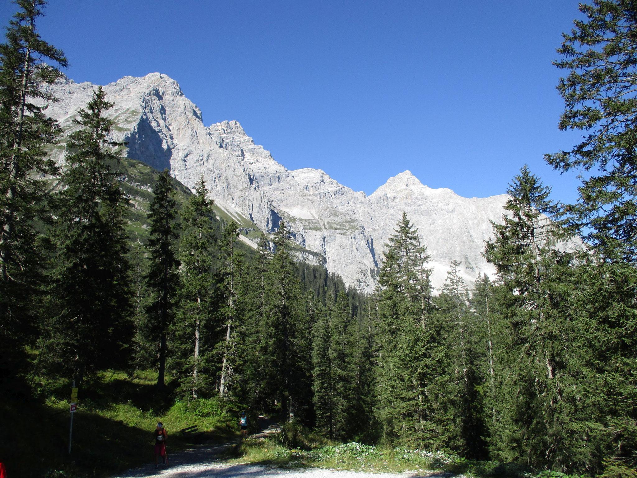"""Karwendelmarsch 2016 - Auf den weg zur """"Falkenhütte"""""""