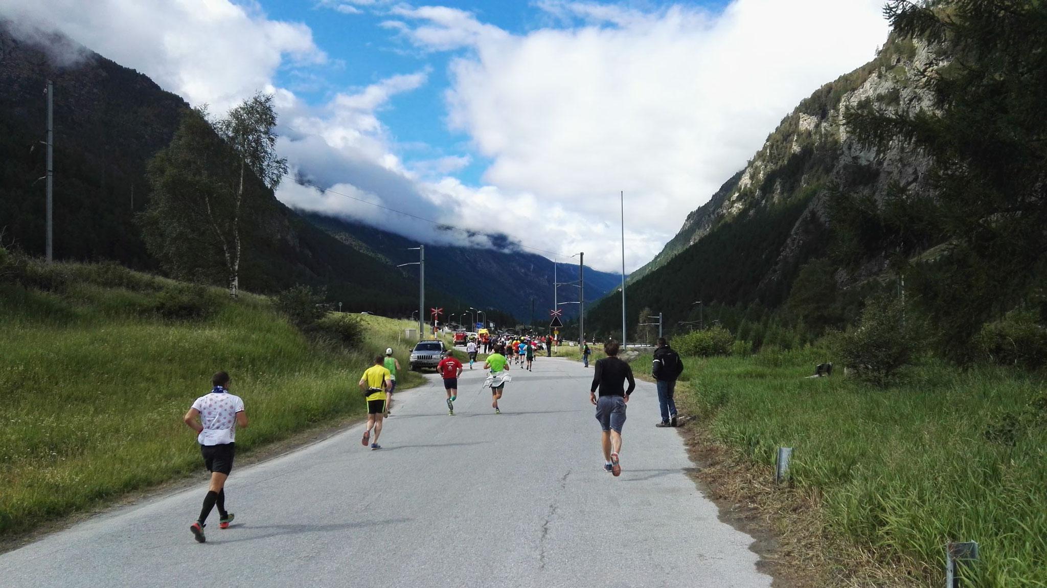 Gornergrat Zermatt Marathon - Durchs Tal