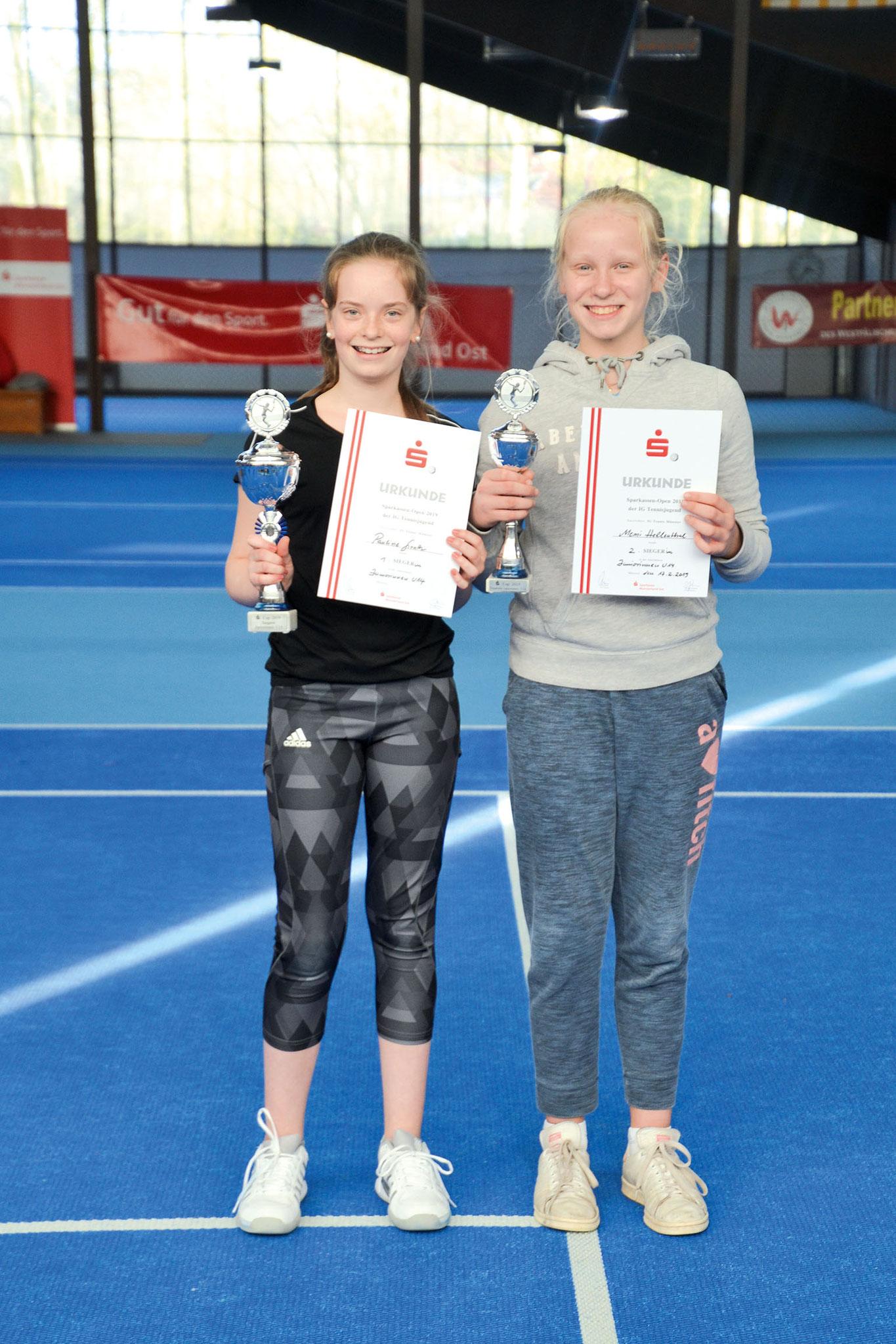 U14: (v.li.) Stadtmeisterin Pauline Girnth (1. TC Hiltrup) und Memi Hellenthal (TC St. Mauritz)