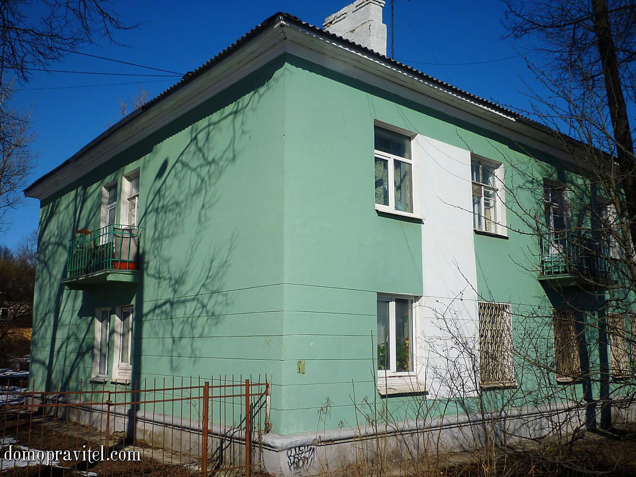 Вид на дом с ул. Чехова