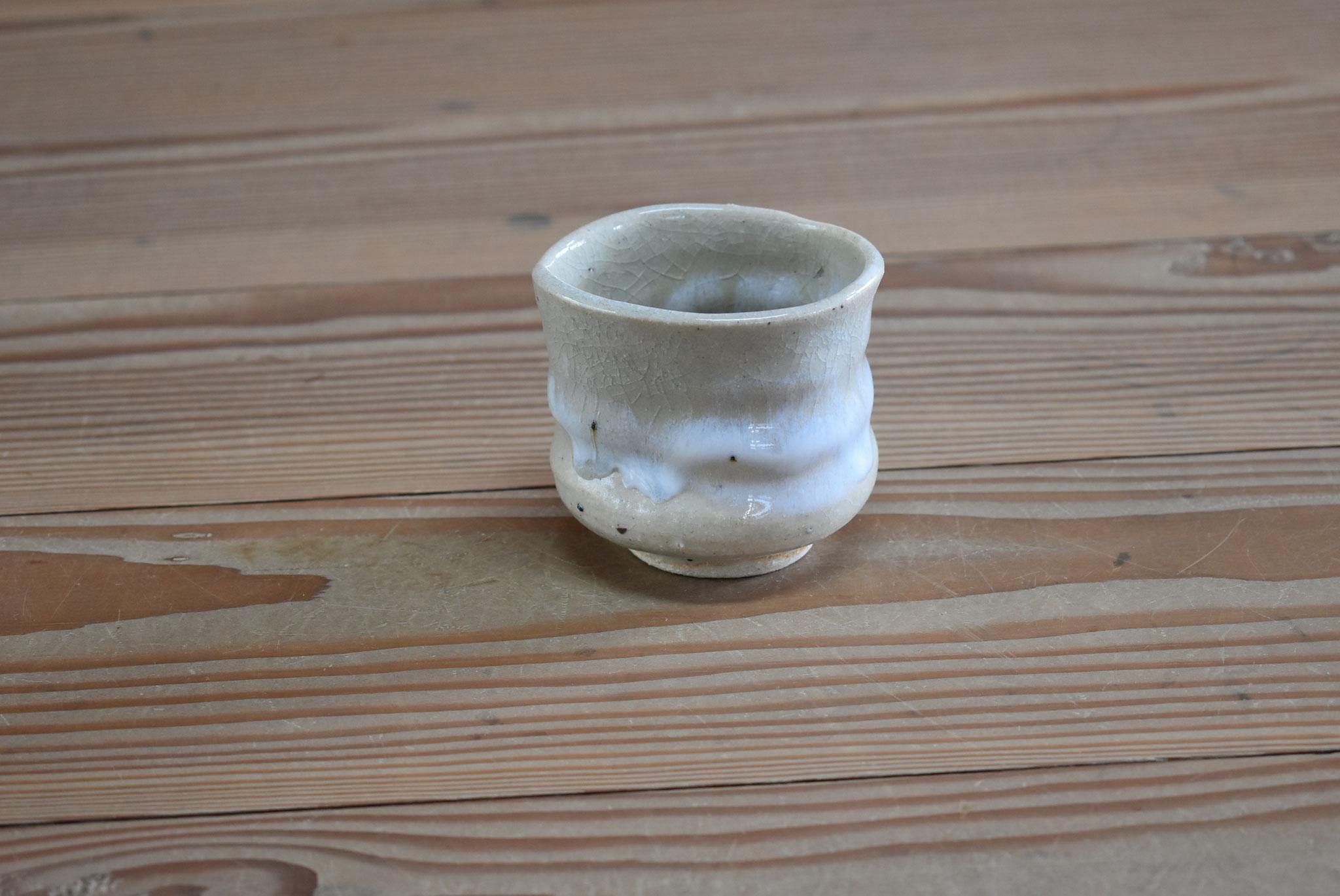 湯呑:白土におふけ釉、口元に白マット釉